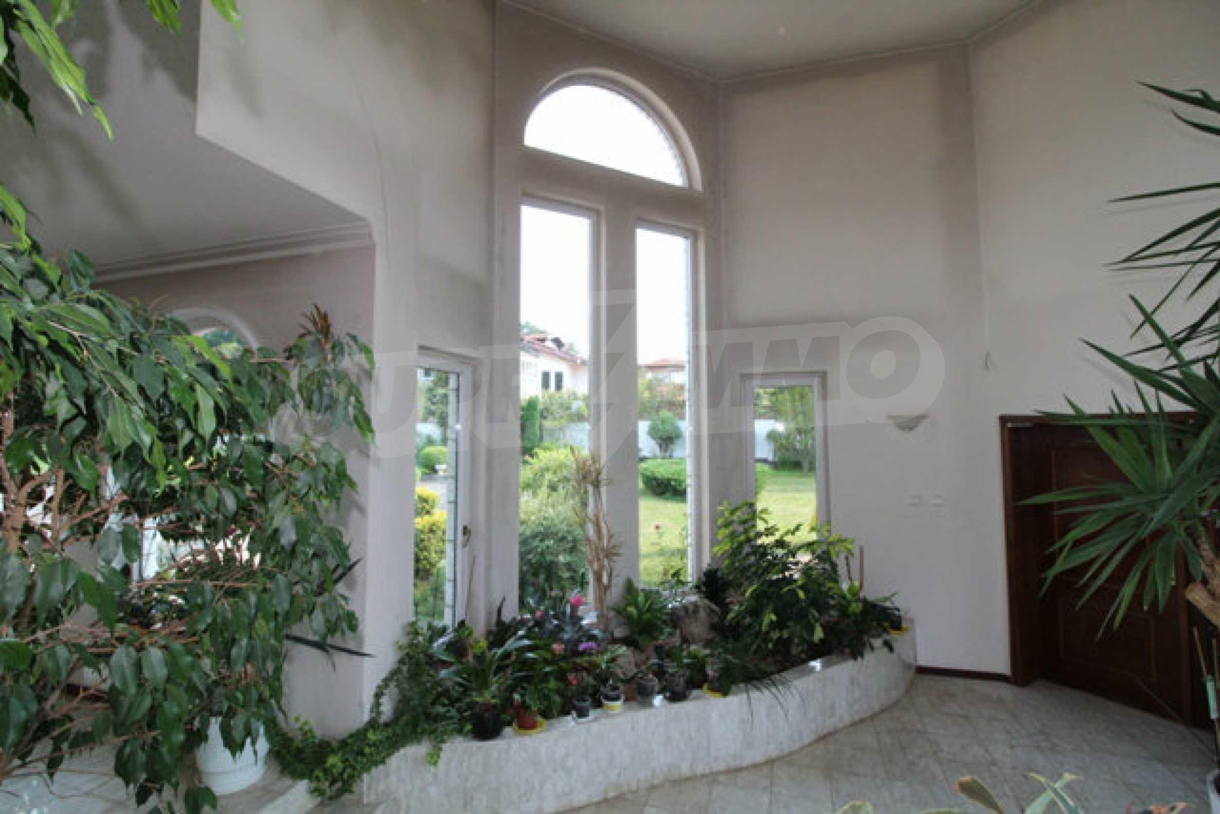 Планинско имение с басейн сред красивата природа на Троянския Балкан  34