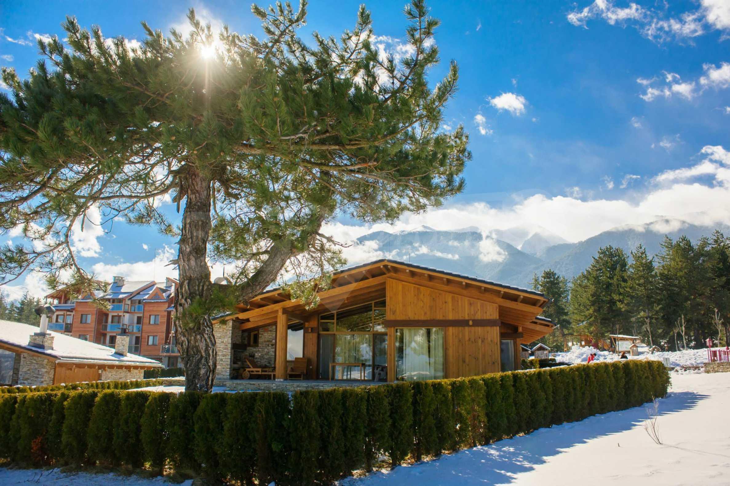 Нов квартал с луксозни къщи в голф-комплекс 1