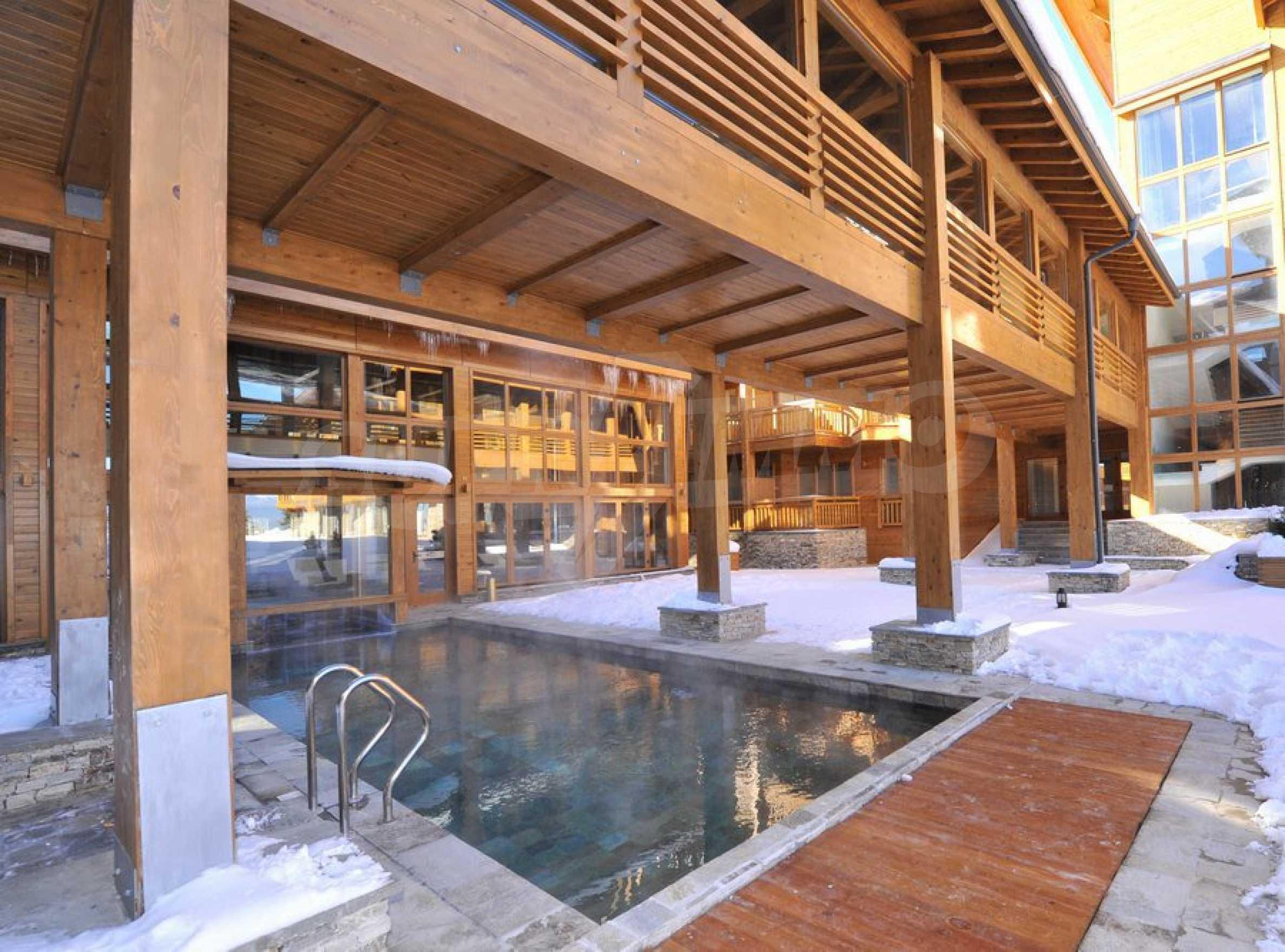 Нов квартал с луксозни къщи в голф-комплекс 60