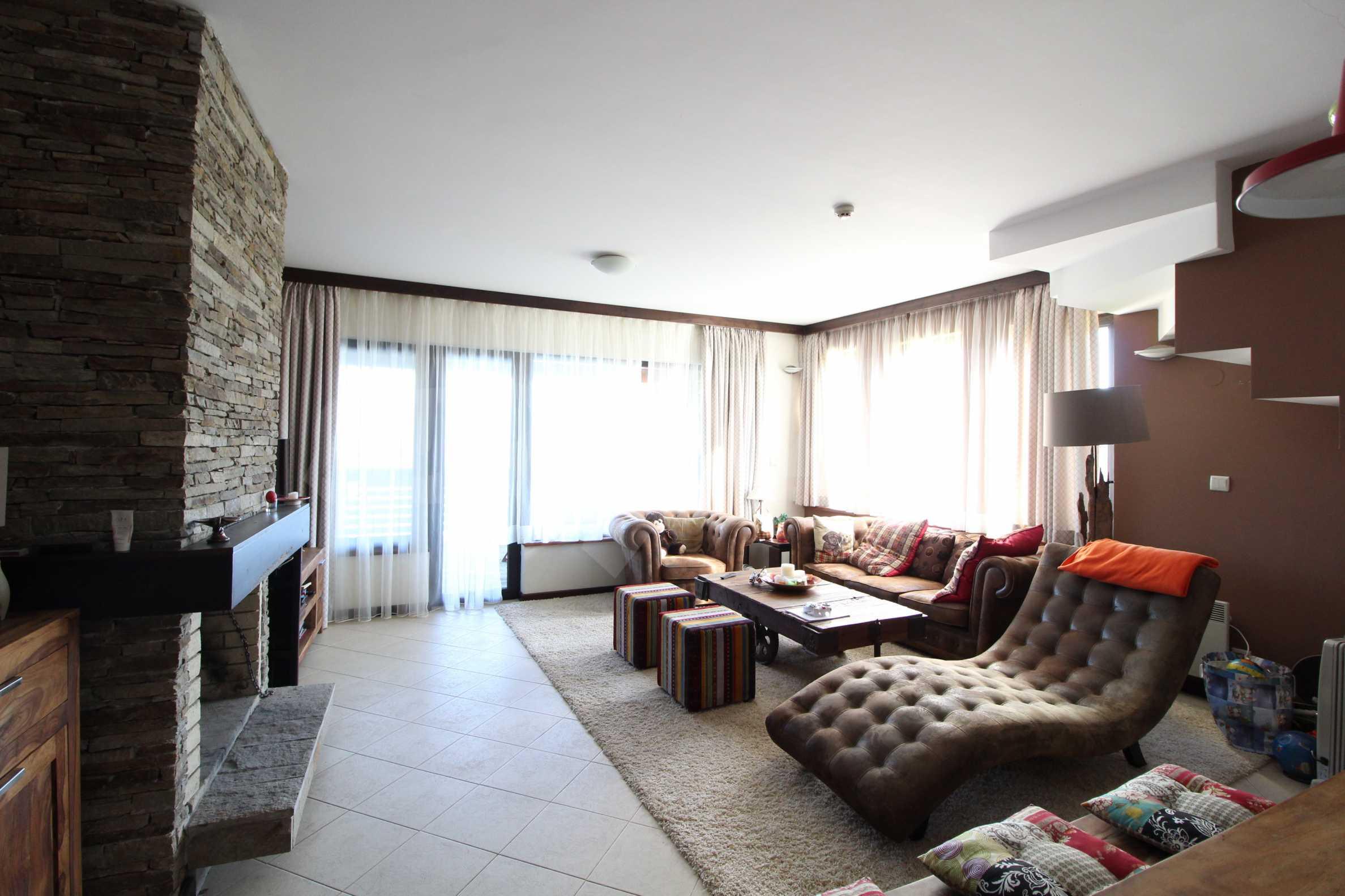 Двуетажна къща със стилен интериор в затворен голф комплекс, между градове Банско и Разлог 10