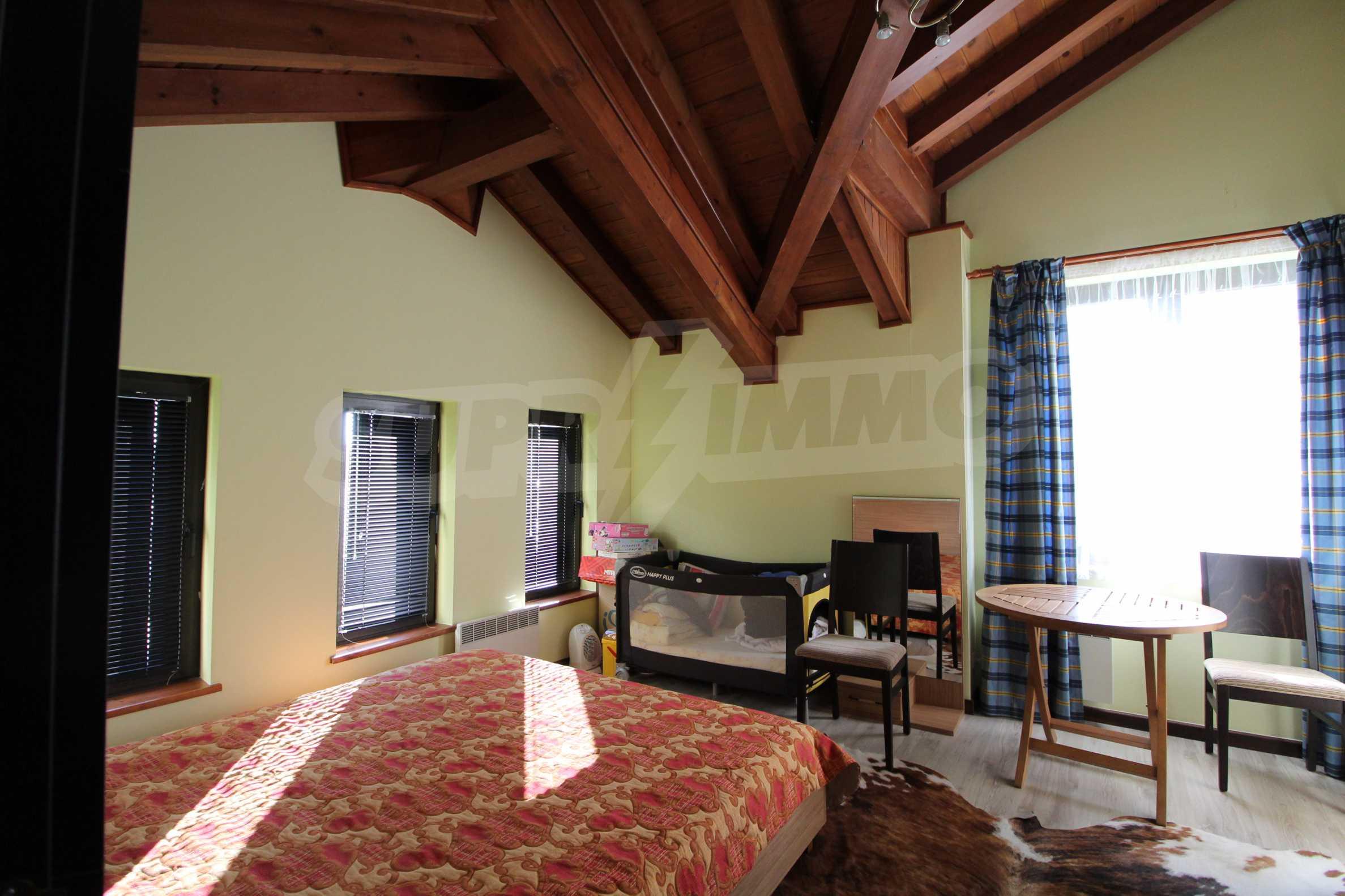 Двуетажна къща със стилен интериор в затворен голф комплекс, между градове Банско и Разлог 27