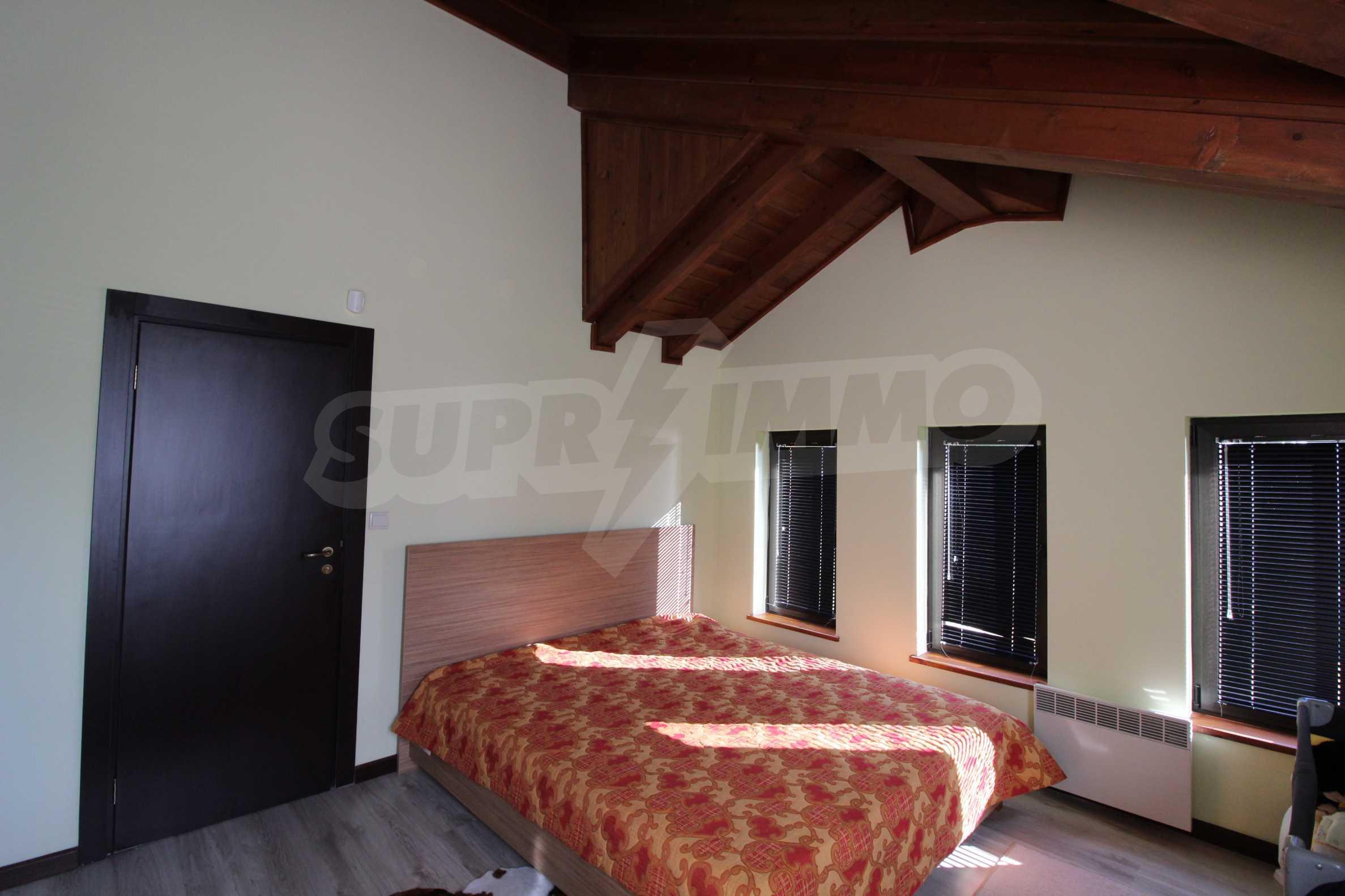 Двуетажна къща със стилен интериор в затворен голф комплекс, между градове Банско и Разлог 28