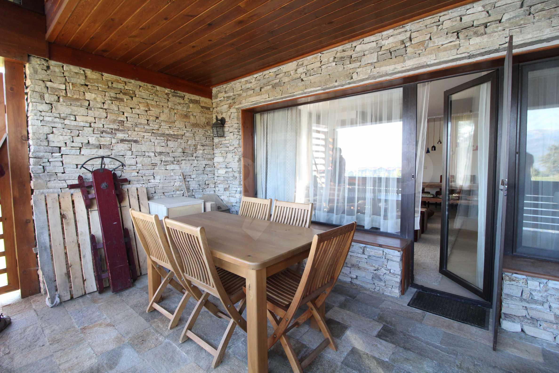 Двуетажна къща със стилен интериор в затворен голф комплекс, между градове Банско и Разлог 34