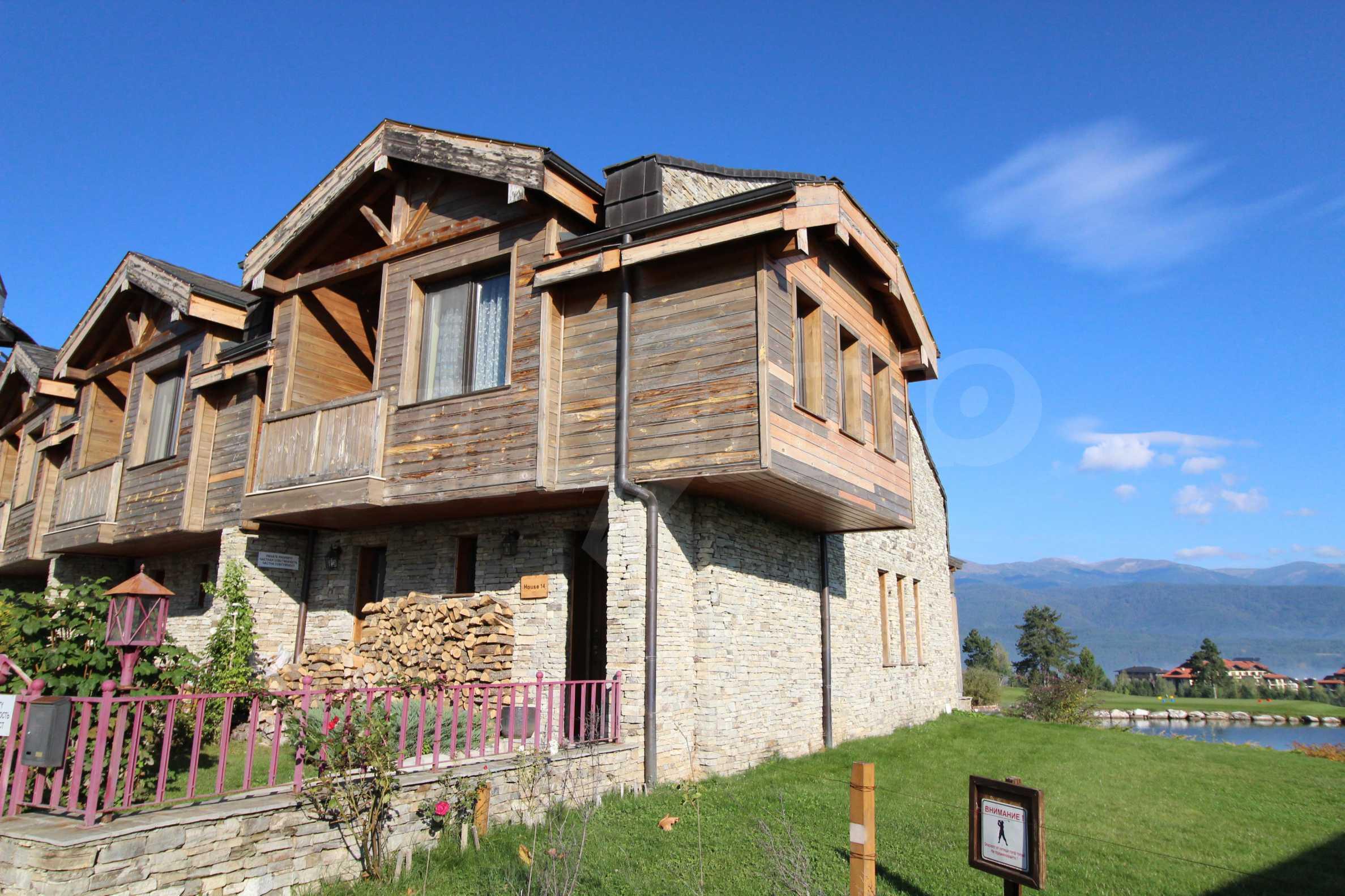 Двуетажна къща със стилен интериор в затворен голф комплекс, между градове Банско и Разлог 3