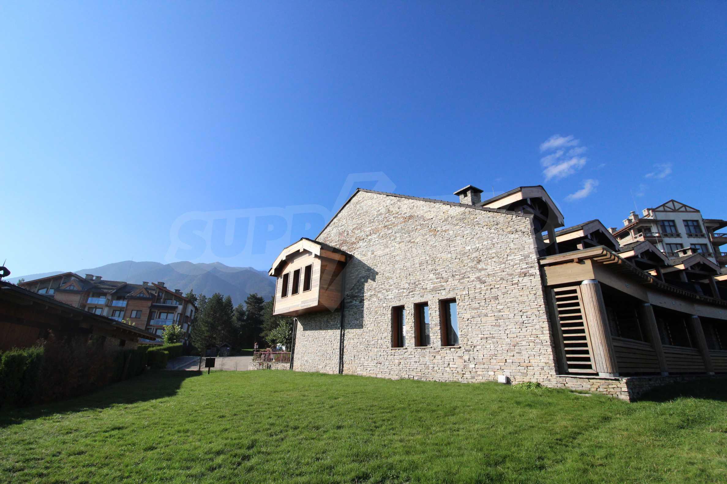 Двуетажна къща със стилен интериор в затворен голф комплекс, между градове Банско и Разлог 40