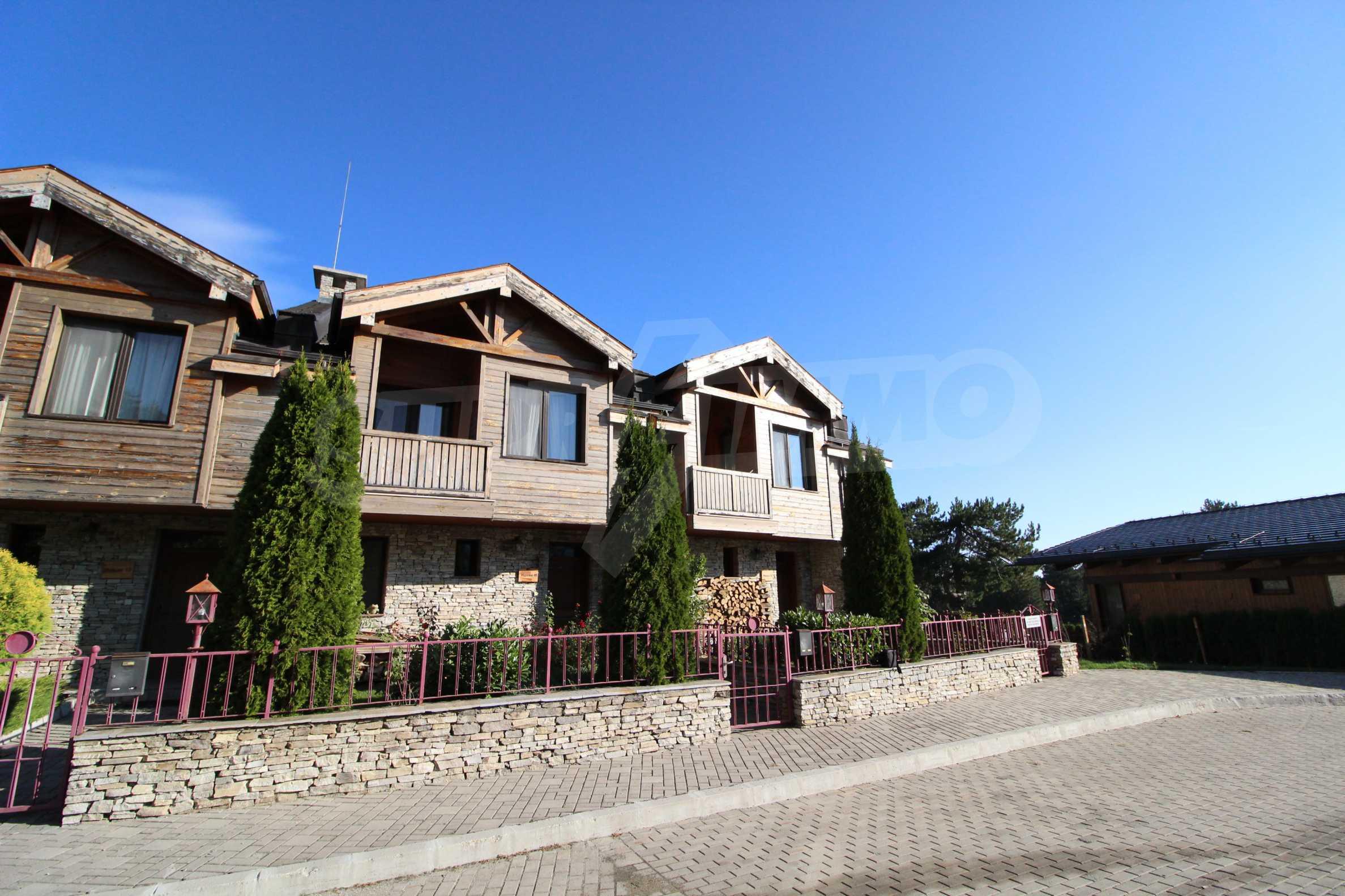 Двуетажна къща със стилен интериор в затворен голф комплекс, между градове Банско и Разлог 4