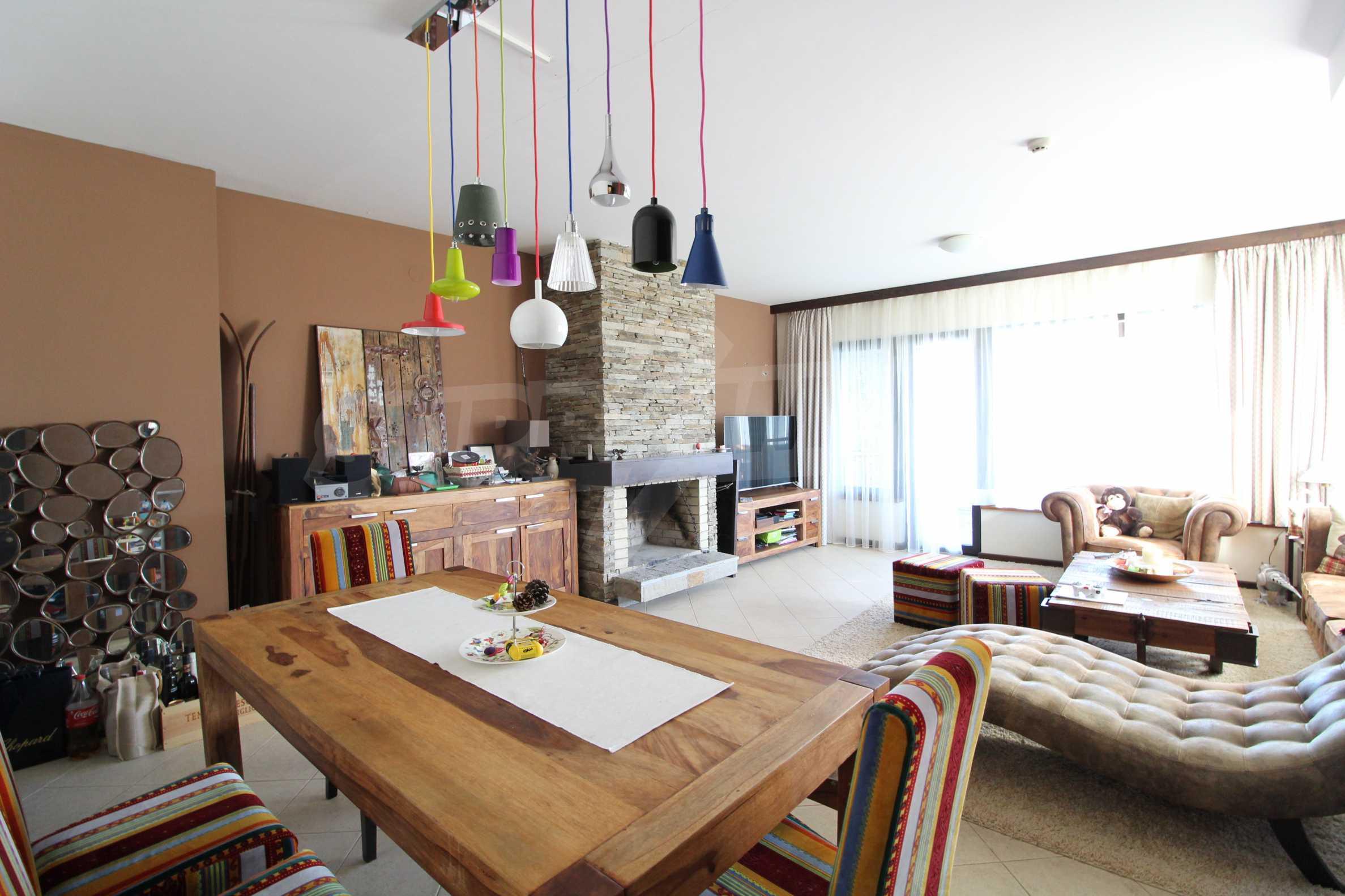 Двуетажна къща със стилен интериор в затворен голф комплекс, между градове Банско и Разлог 5