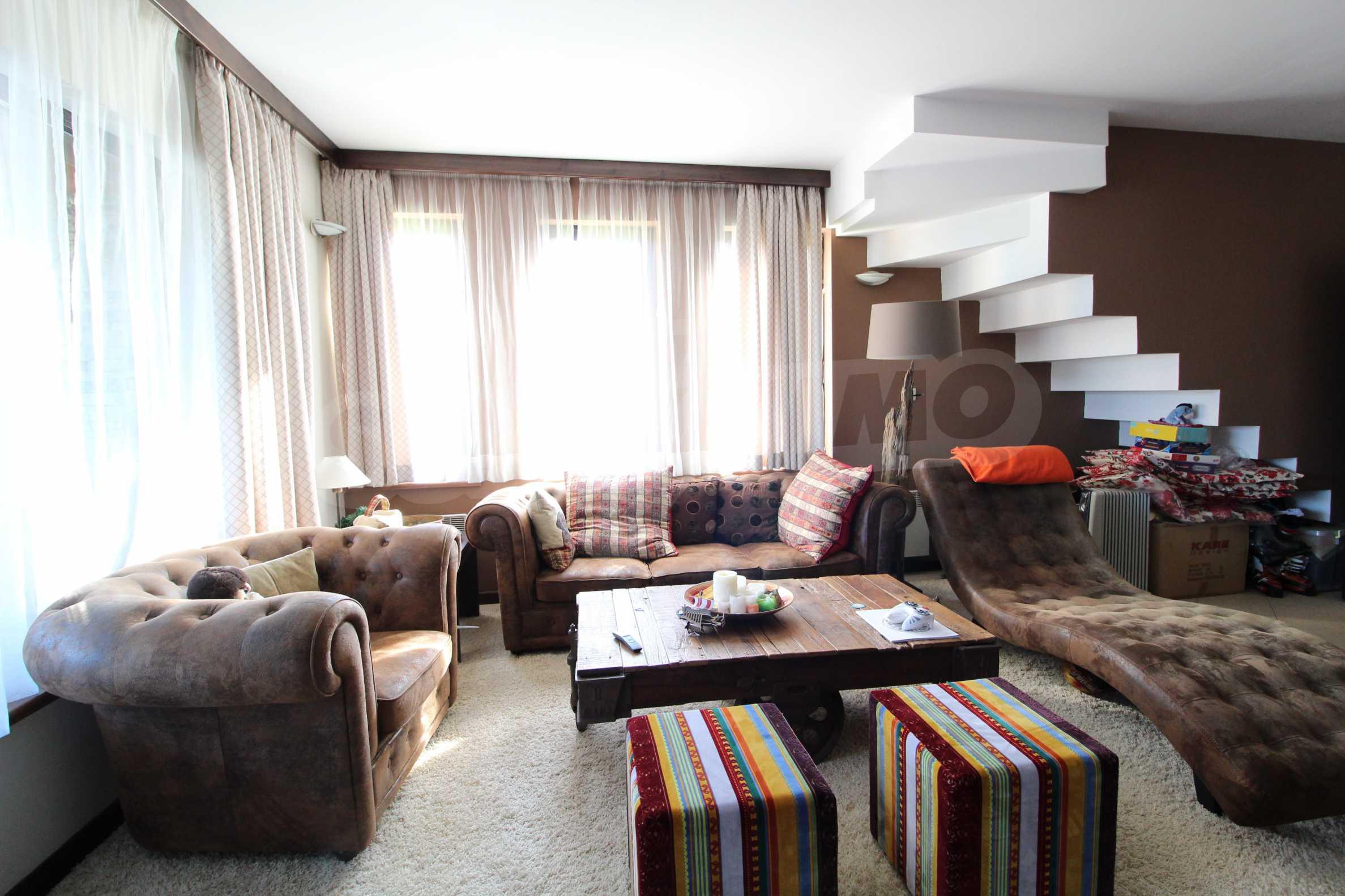 Двуетажна къща със стилен интериор в затворен голф комплекс, между градове Банско и Разлог 7