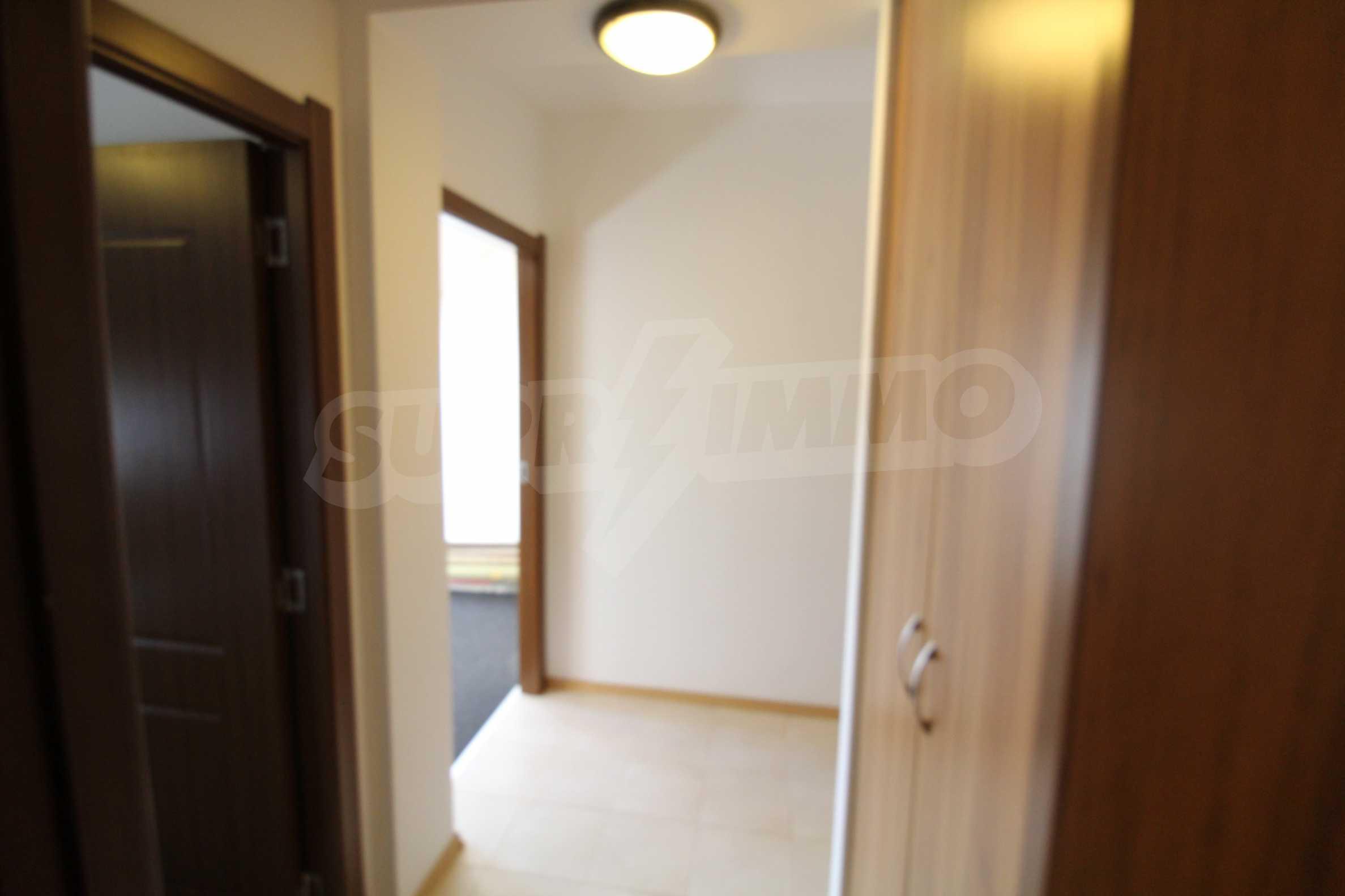 Обзаведен двустаен апартамент в близост до центъра на Банско 11