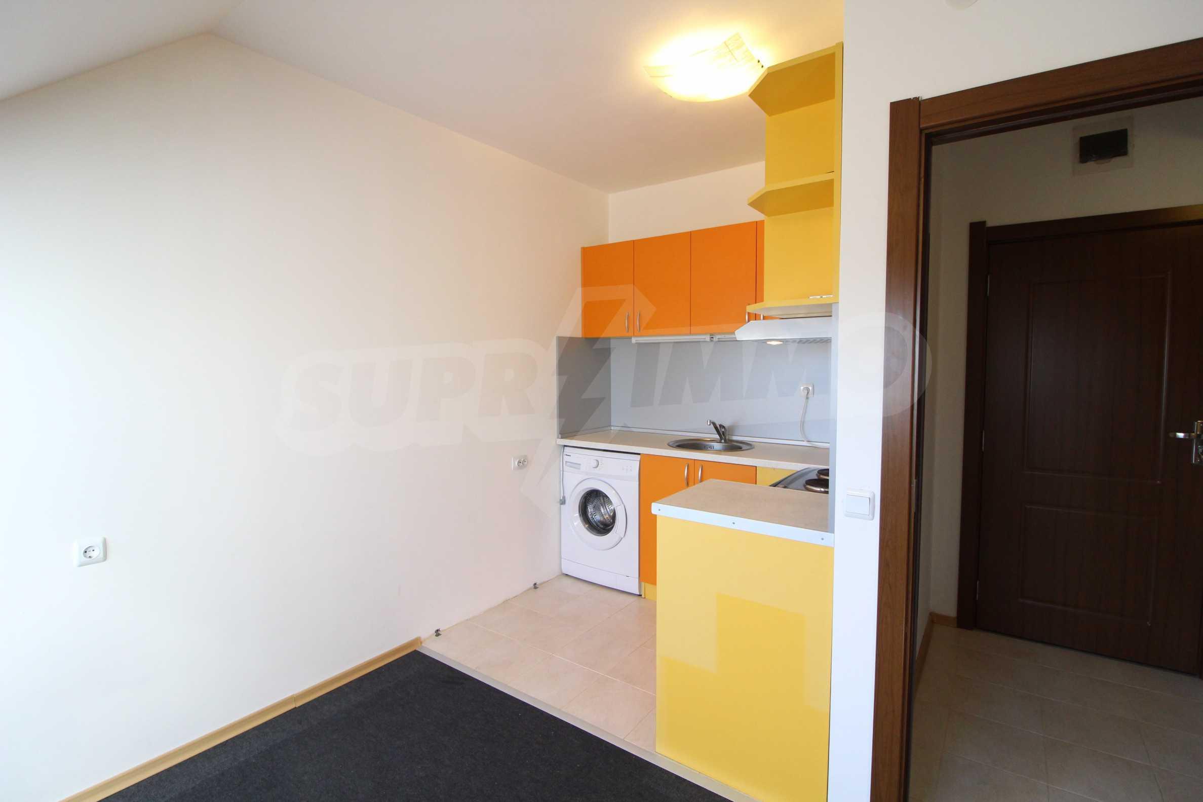Обзаведен двустаен апартамент в близост до центъра на Банско 16
