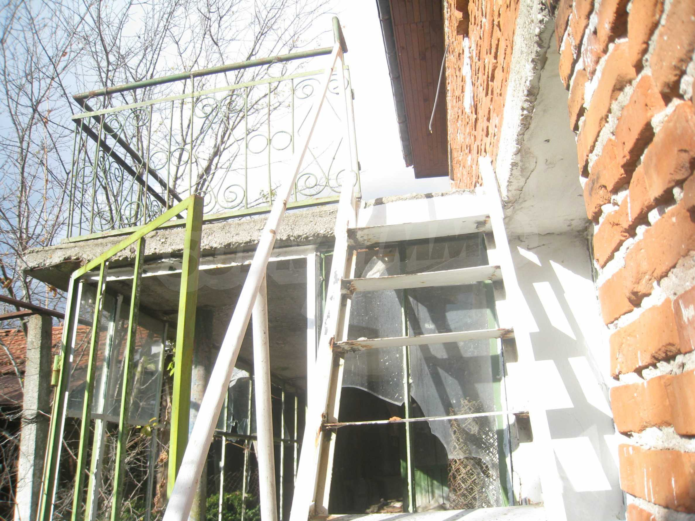Дом на продажу недалеко от города Кюстендил 33