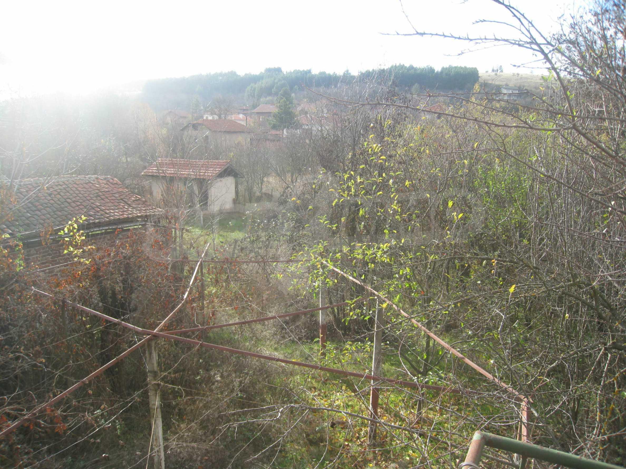 Дом на продажу недалеко от города Кюстендил 36