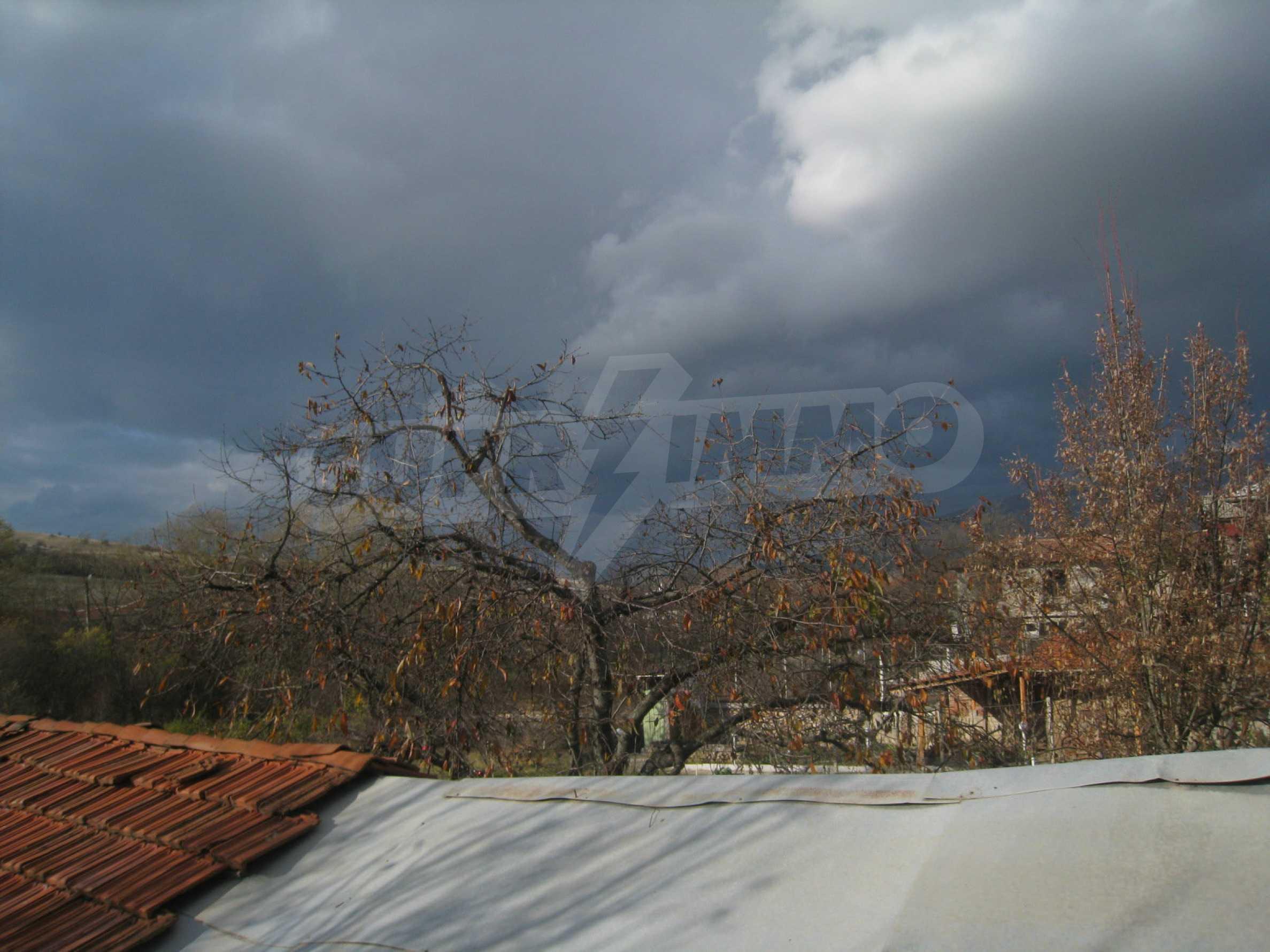 Дом на продажу недалеко от города Кюстендил 37