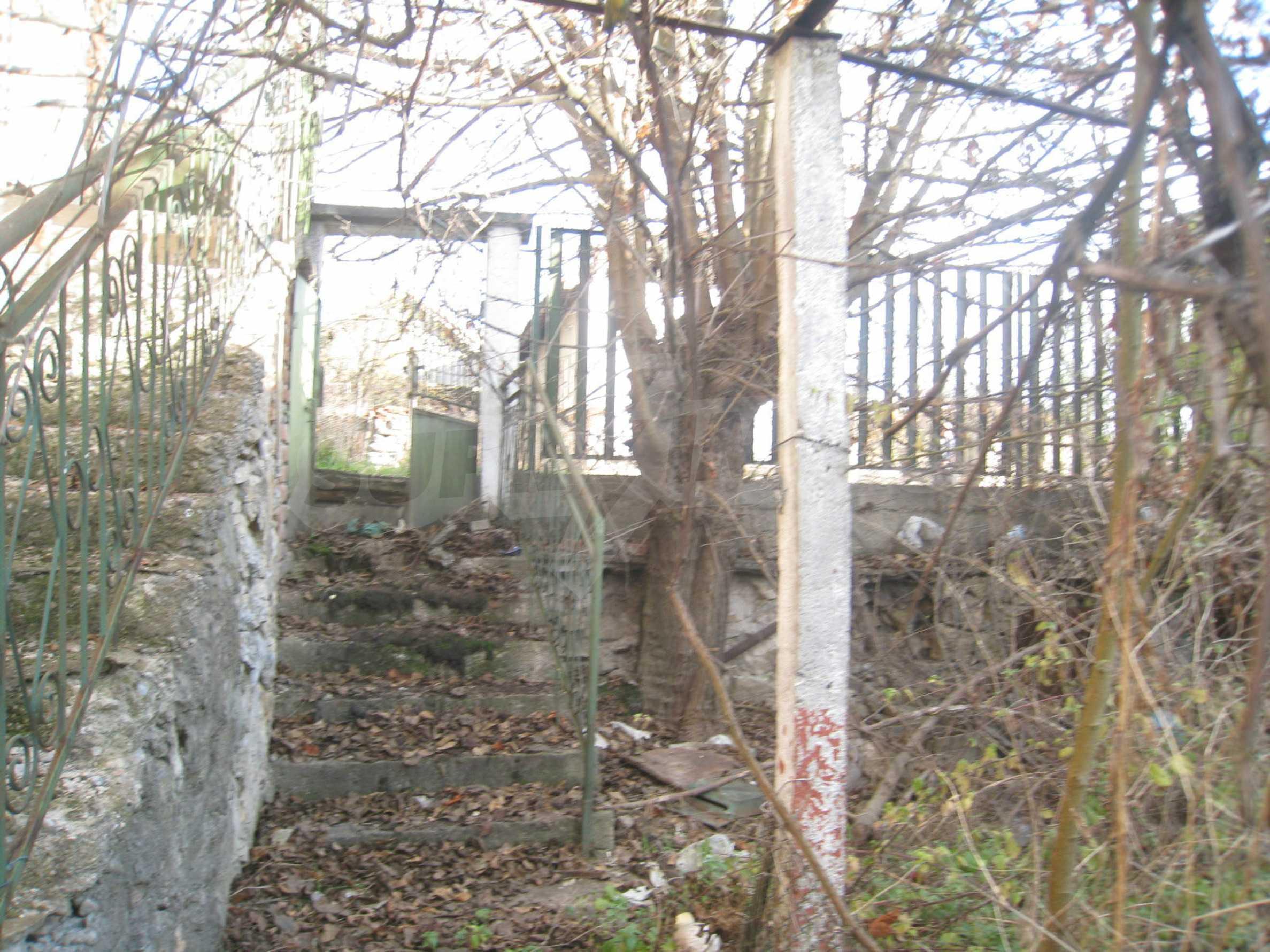 Дом на продажу недалеко от города Кюстендил 44