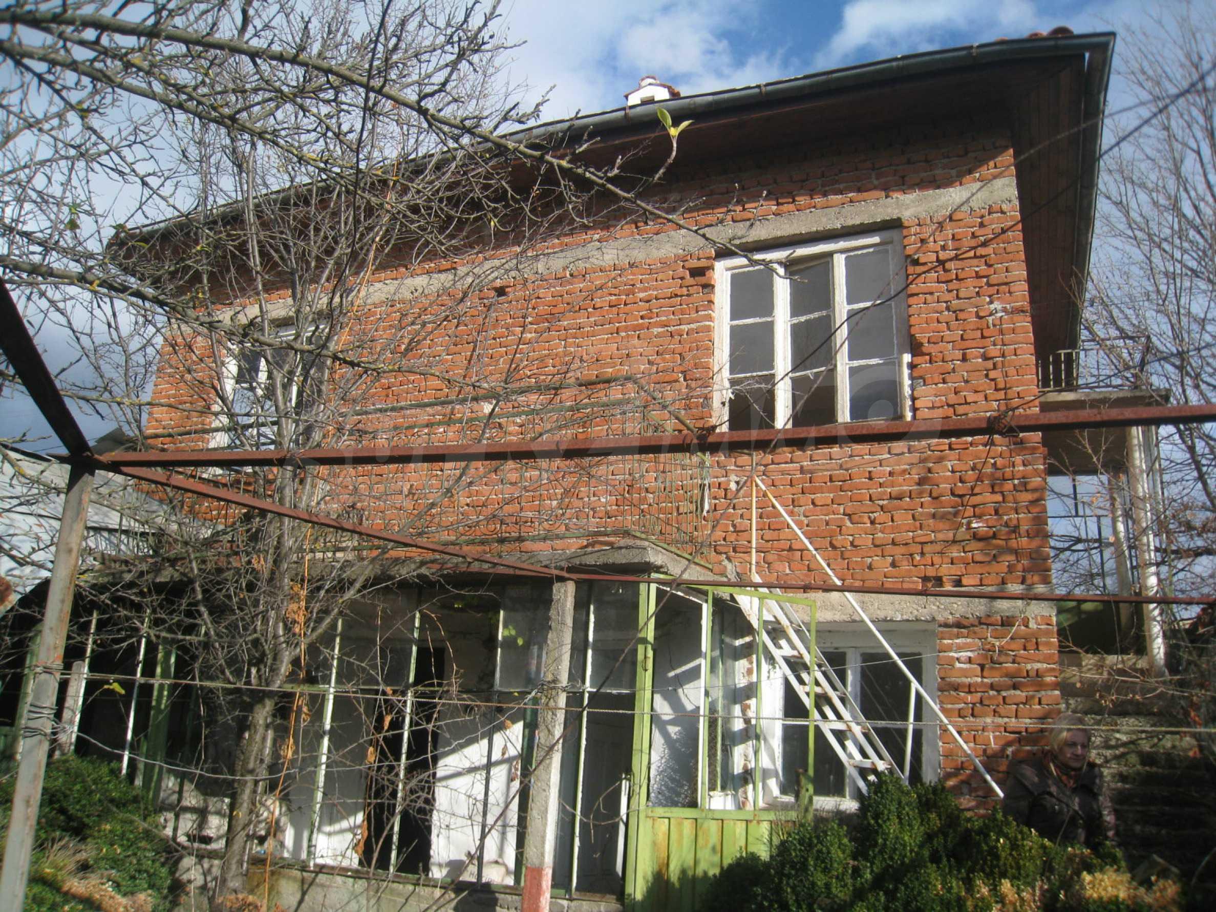 Дом на продажу недалеко от города Кюстендил 6