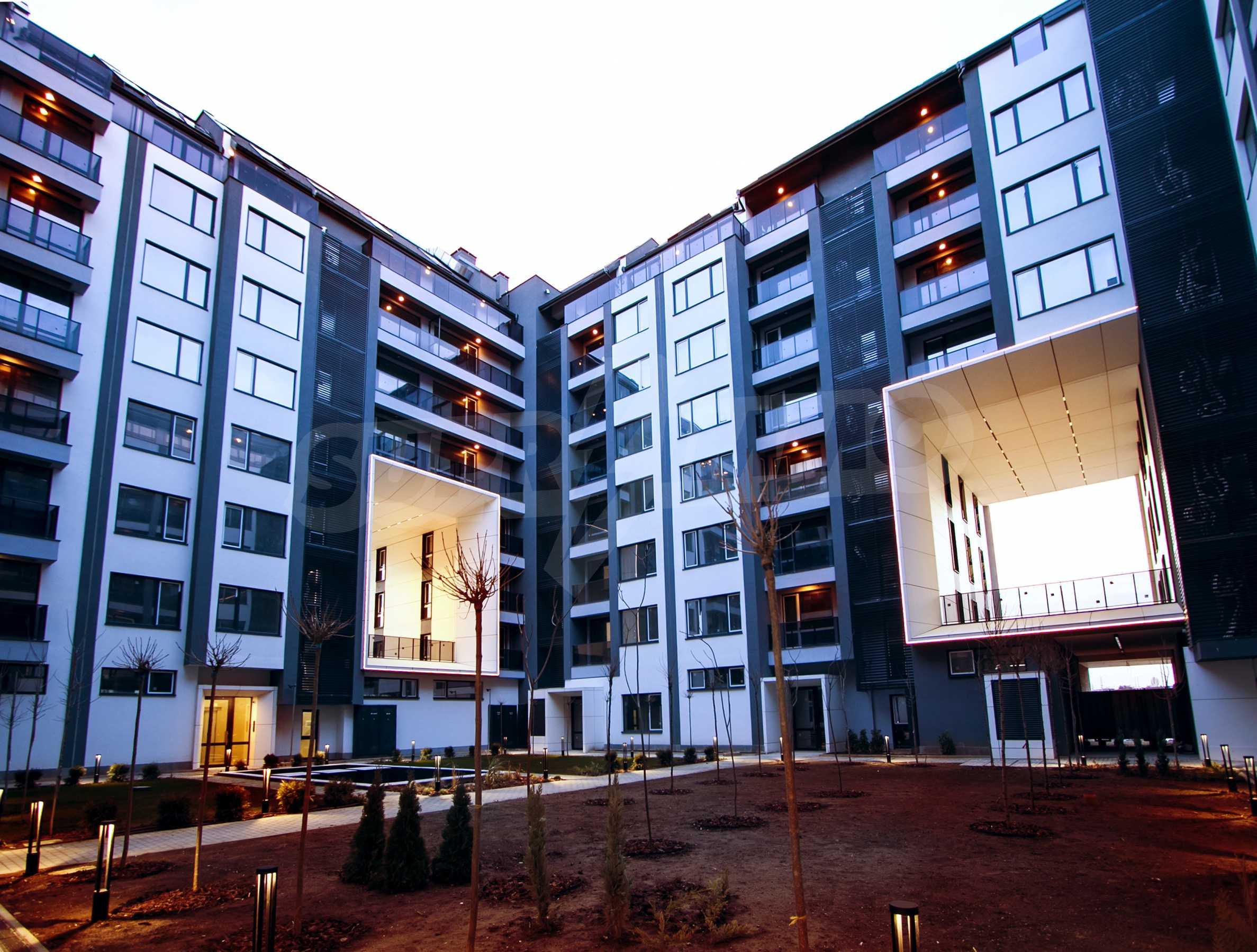 Cherkovna Residence 8