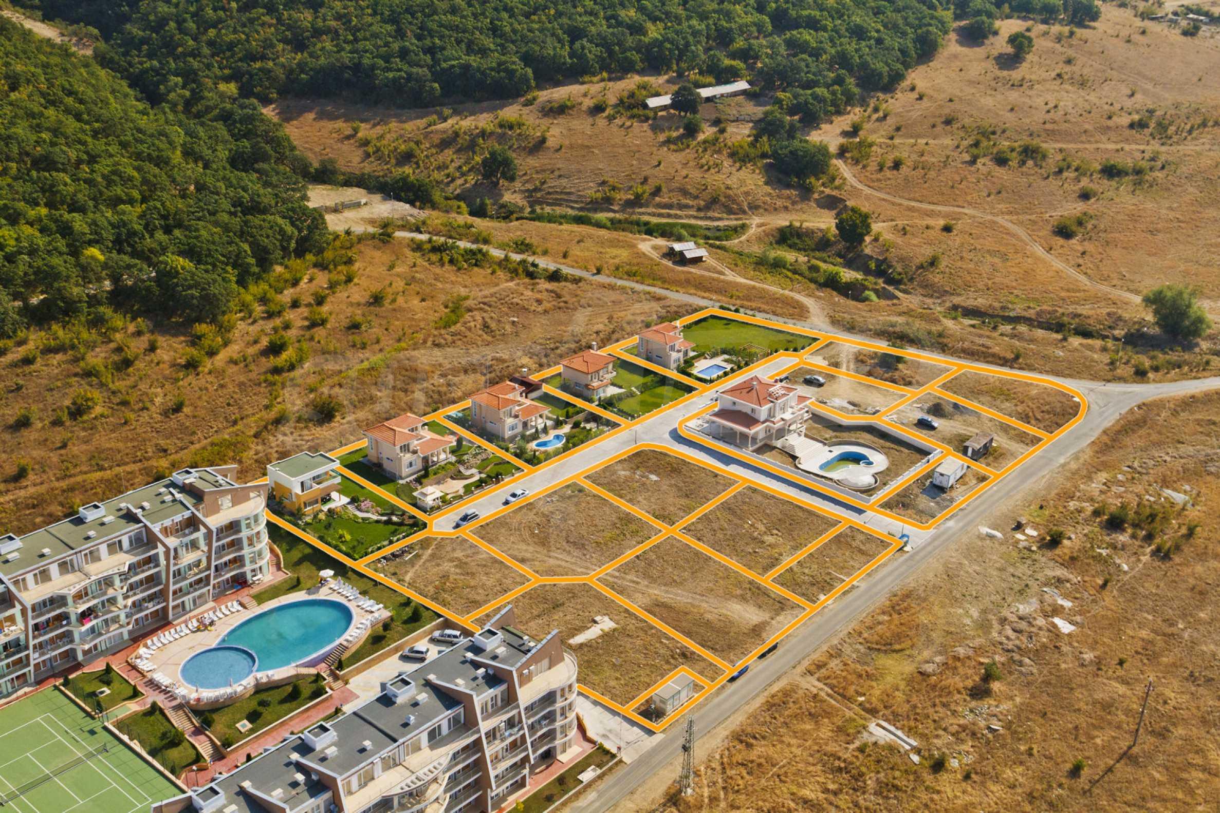 Erschlossene Grundstücke in der luxuriösen Villa-Siedlung SUNSET VILLAS 1
