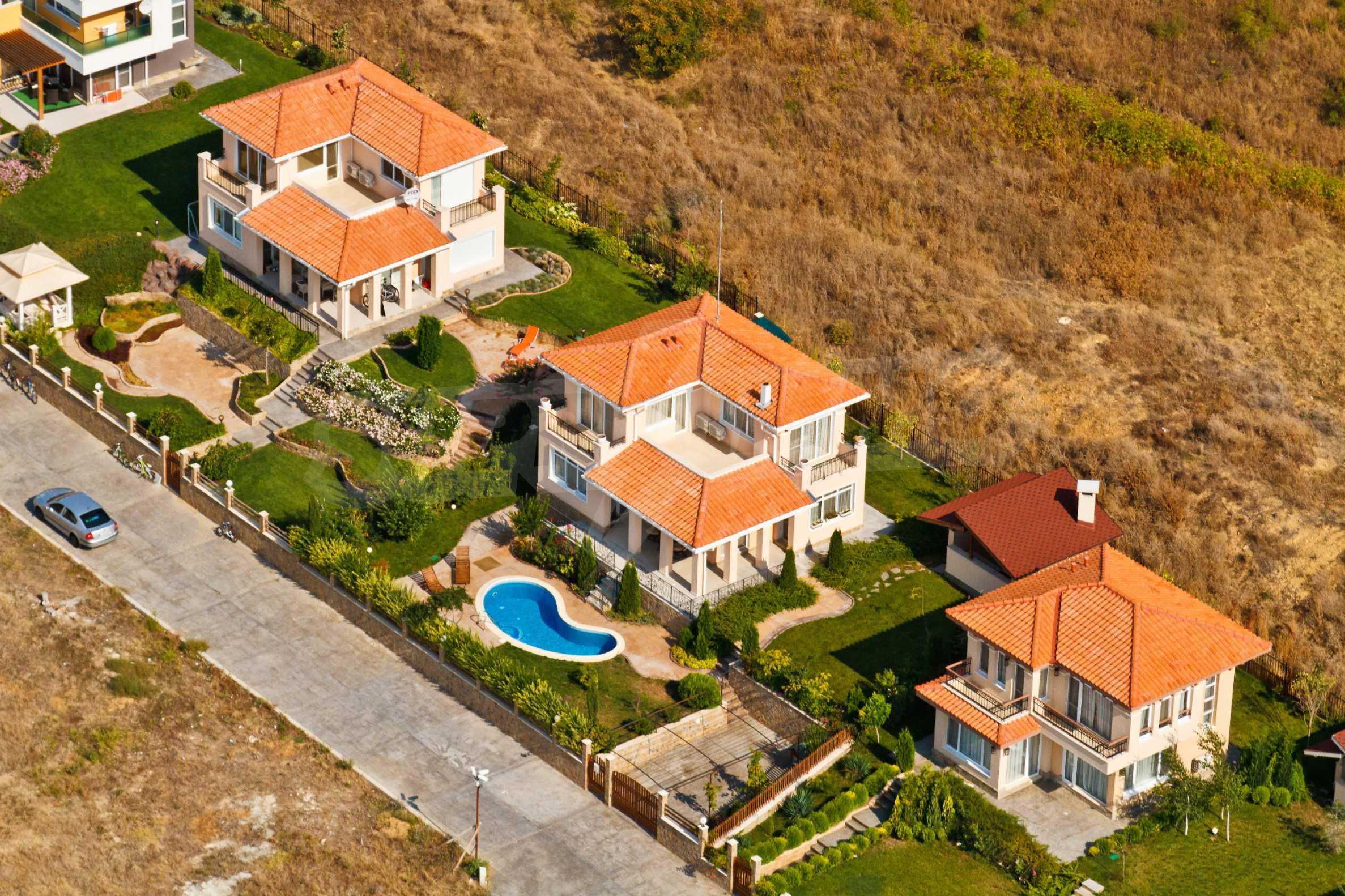 Erschlossene Grundstücke in der luxuriösen Villa-Siedlung SUNSET VILLAS 11