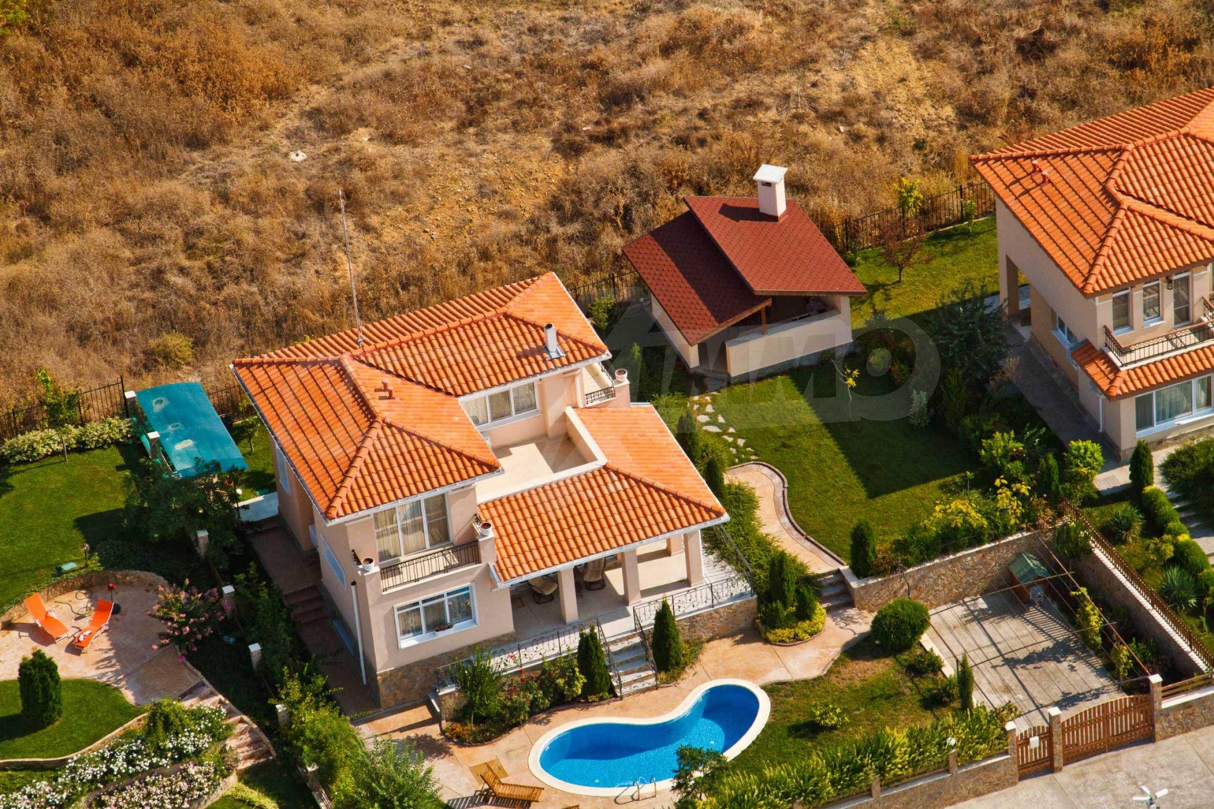 Erschlossene Grundstücke in der luxuriösen Villa-Siedlung SUNSET VILLAS 12