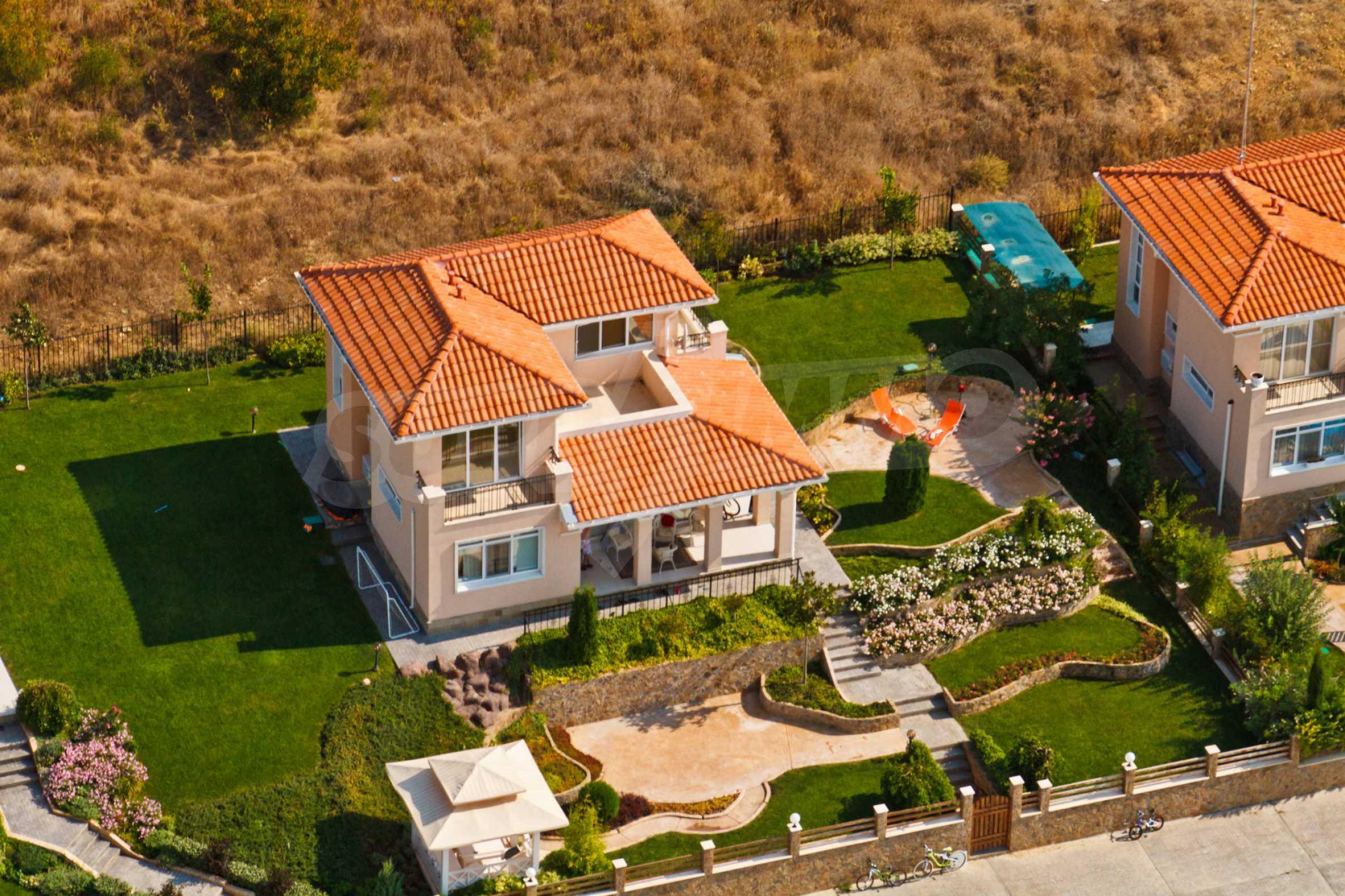 Erschlossene Grundstücke in der luxuriösen Villa-Siedlung SUNSET VILLAS 13