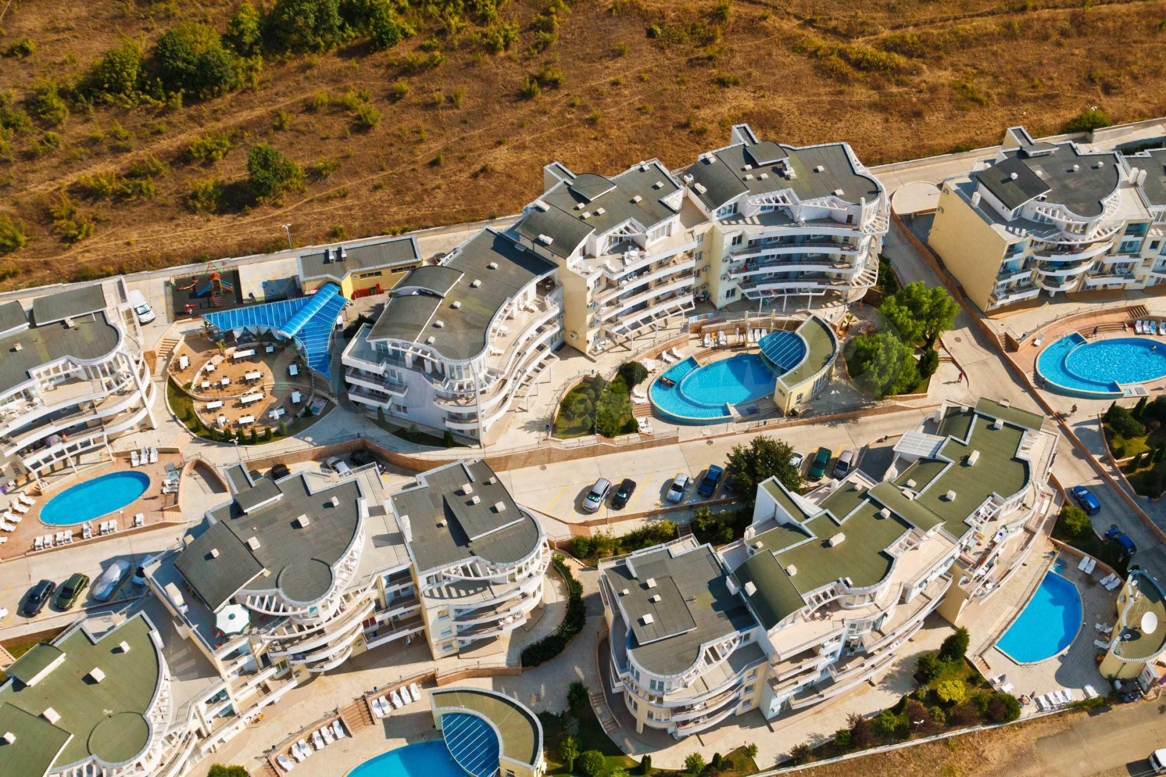 Erschlossene Grundstücke in der luxuriösen Villa-Siedlung SUNSET VILLAS 16