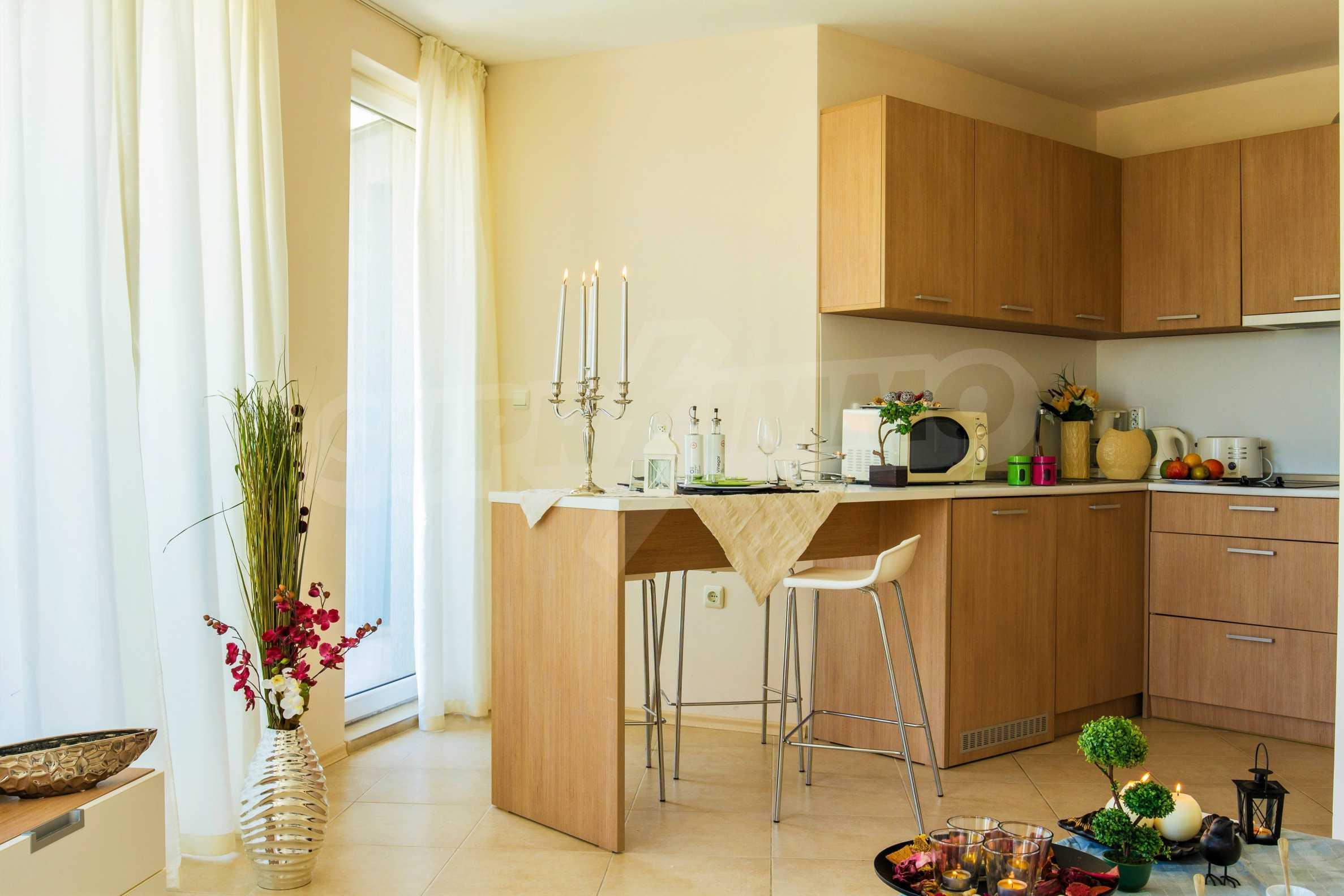 Тристаен апартамент в комплекс Емберли близо до плажа в Лозенец (ап. №423) 4