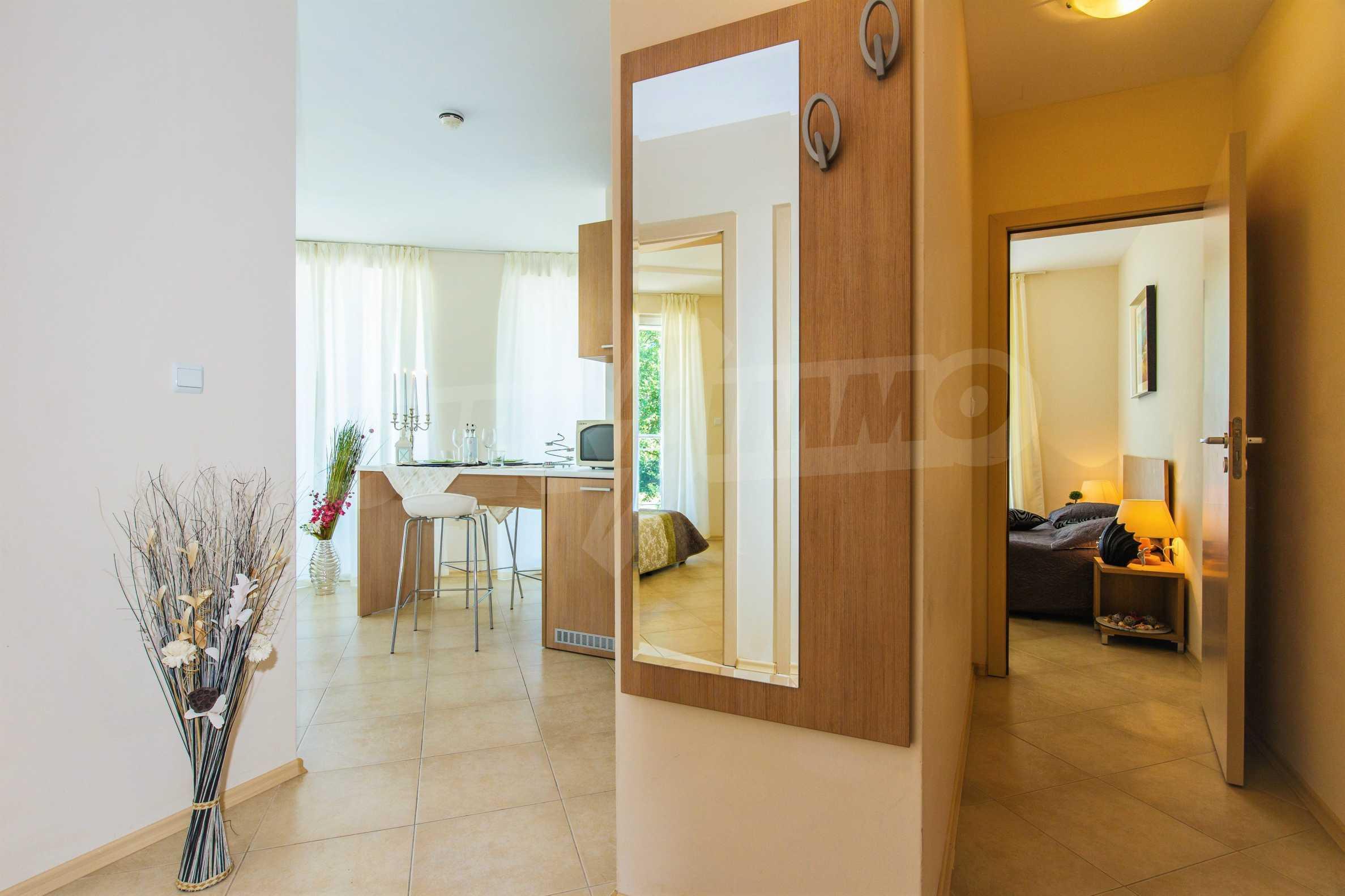 Тристаен апартамент в комплекс Емберли близо до плажа в Лозенец (ап. №423) 5