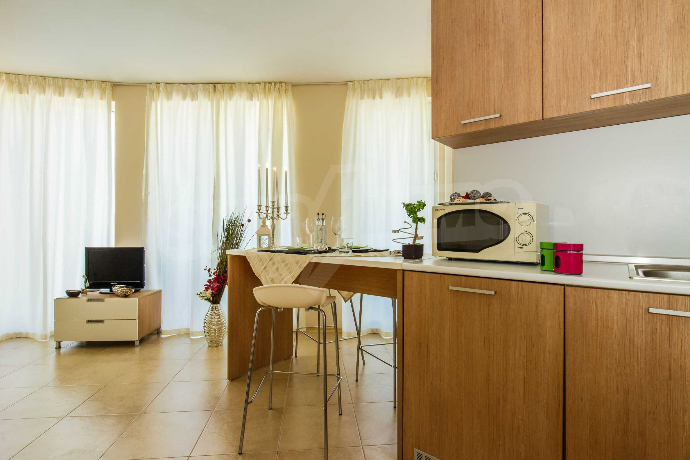 Тристаен апартамент в комплекс Емберли близо до плажа в Лозенец (ап. №423) 10