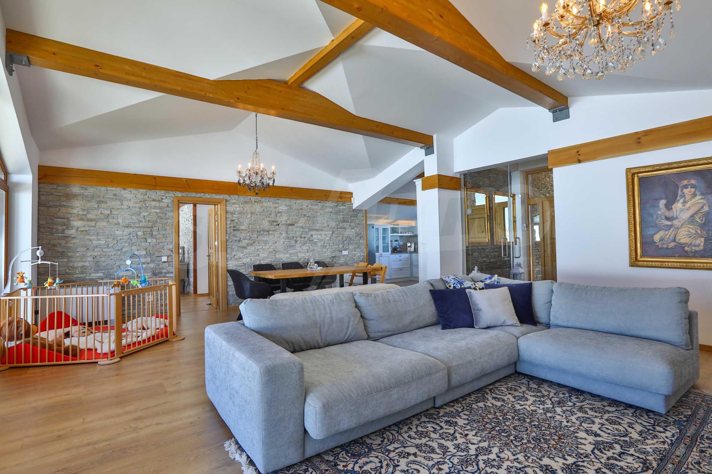 Луксозен комплекс в подножието на Пирин, до Pirin Golf and Country Club 15