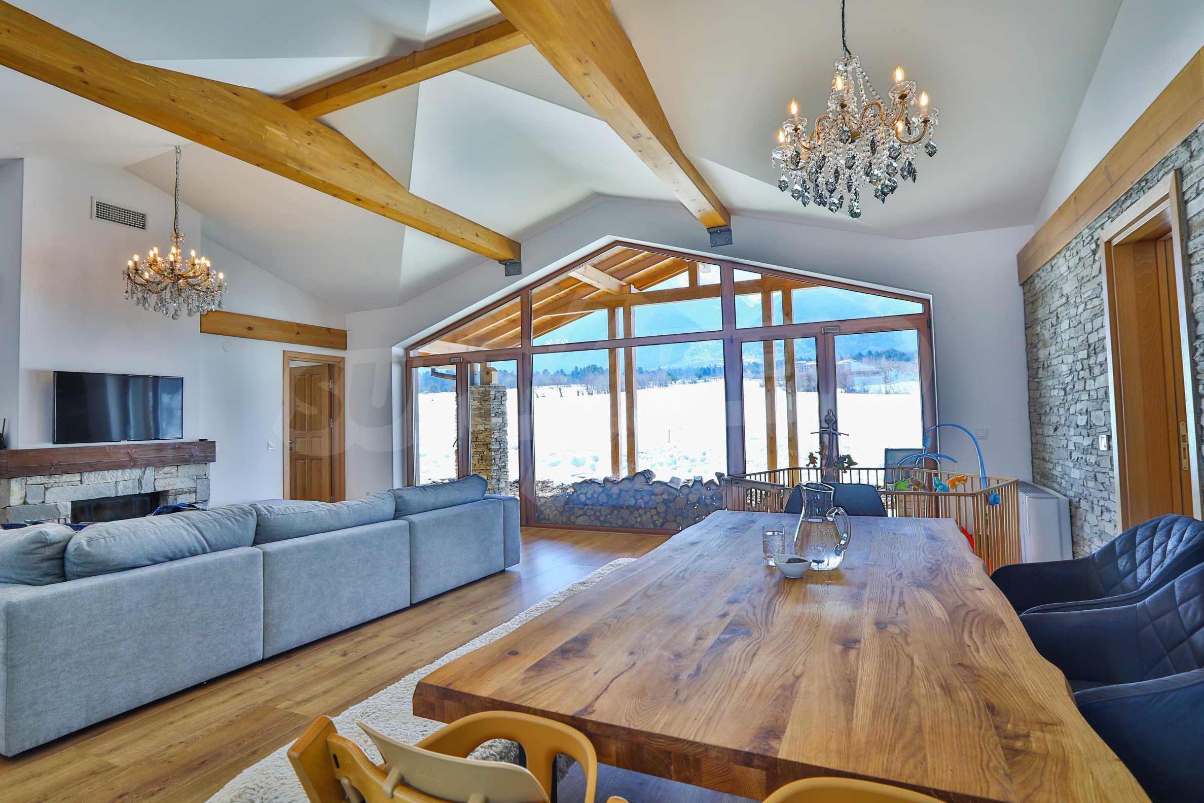 Луксозен комплекс в подножието на Пирин, до Pirin Golf and Country Club 18