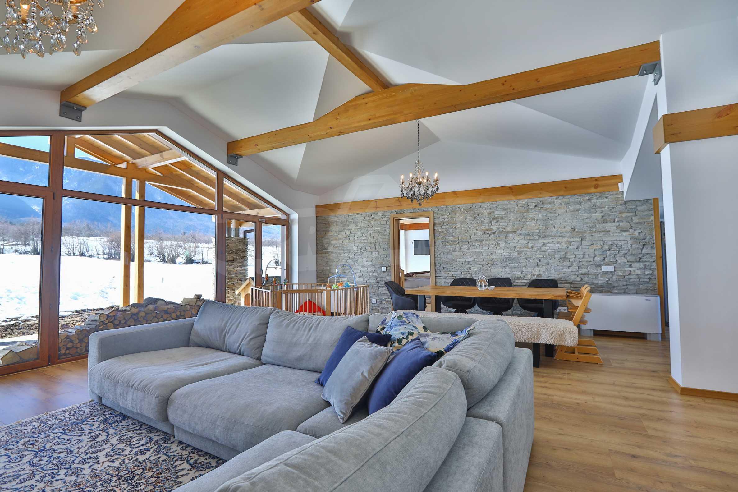 Луксозен комплекс в подножието на Пирин, до Pirin Golf and Country Club 20