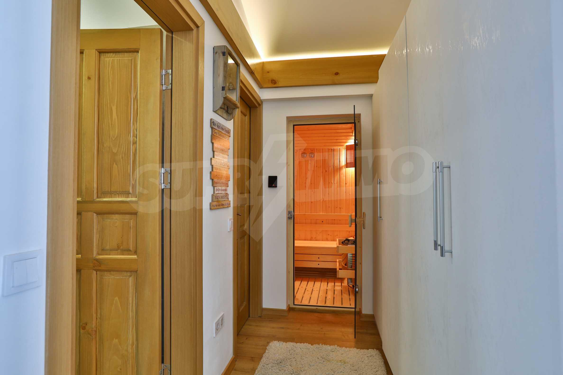 Луксозен комплекс в подножието на Пирин, до Pirin Golf and Country Club 30