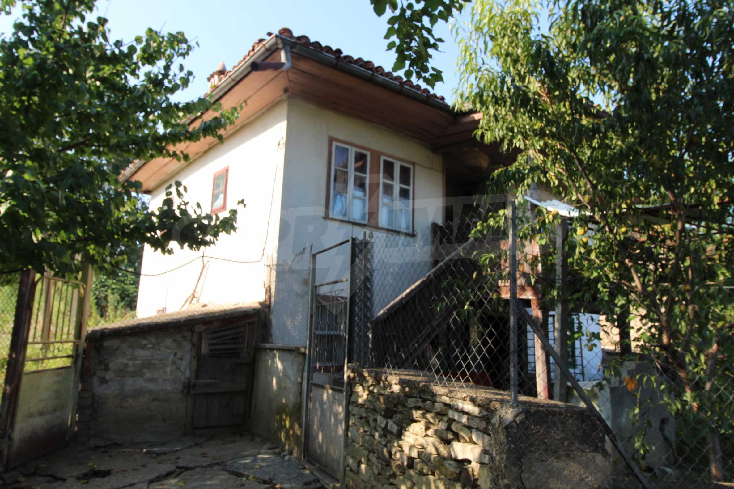 Zweistöckiges Haus mit Hof, 3 km von Weliko Tarnowo entfernt 11