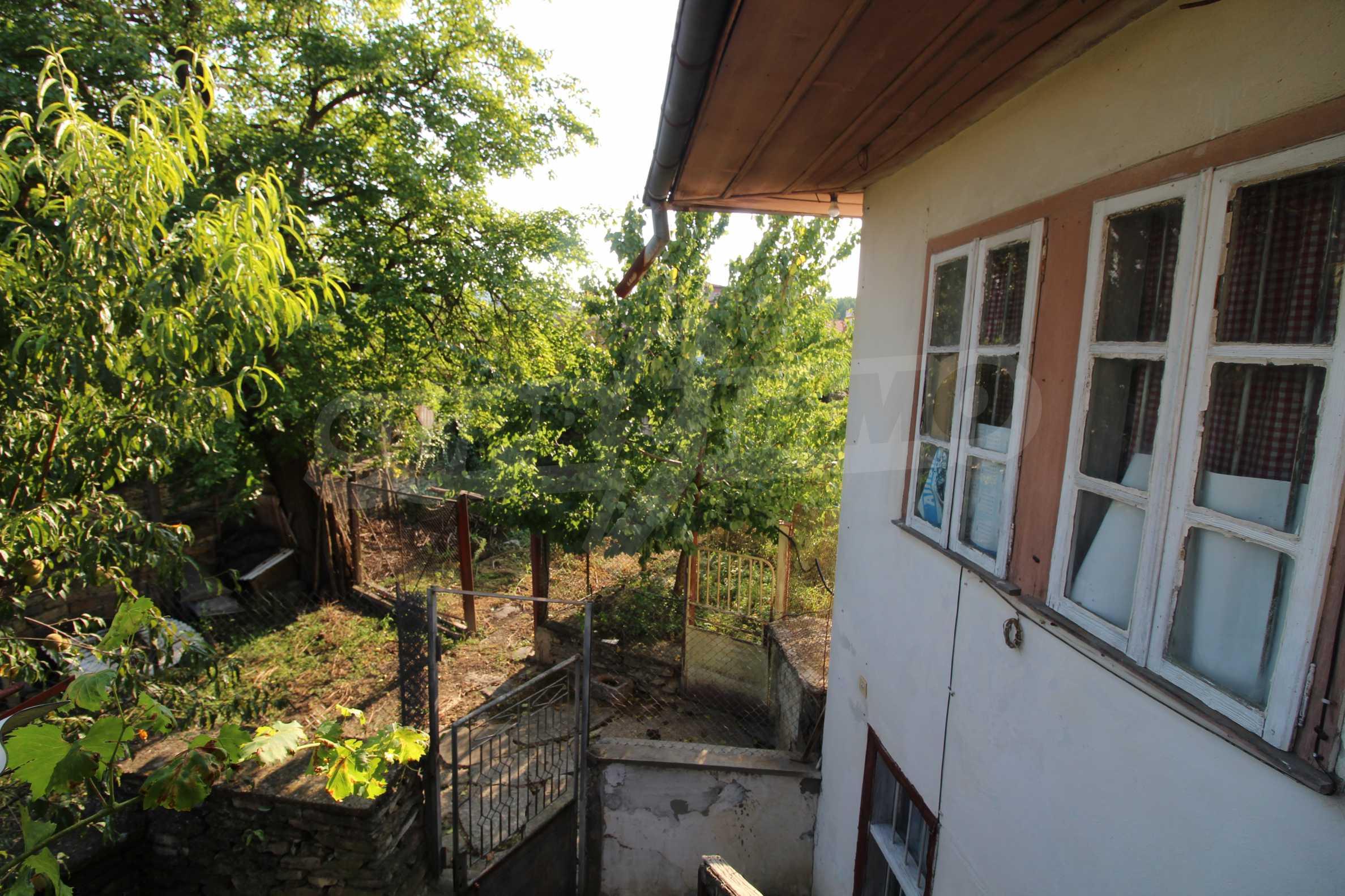 Zweistöckiges Haus mit Hof, 3 km von Weliko Tarnowo entfernt 12
