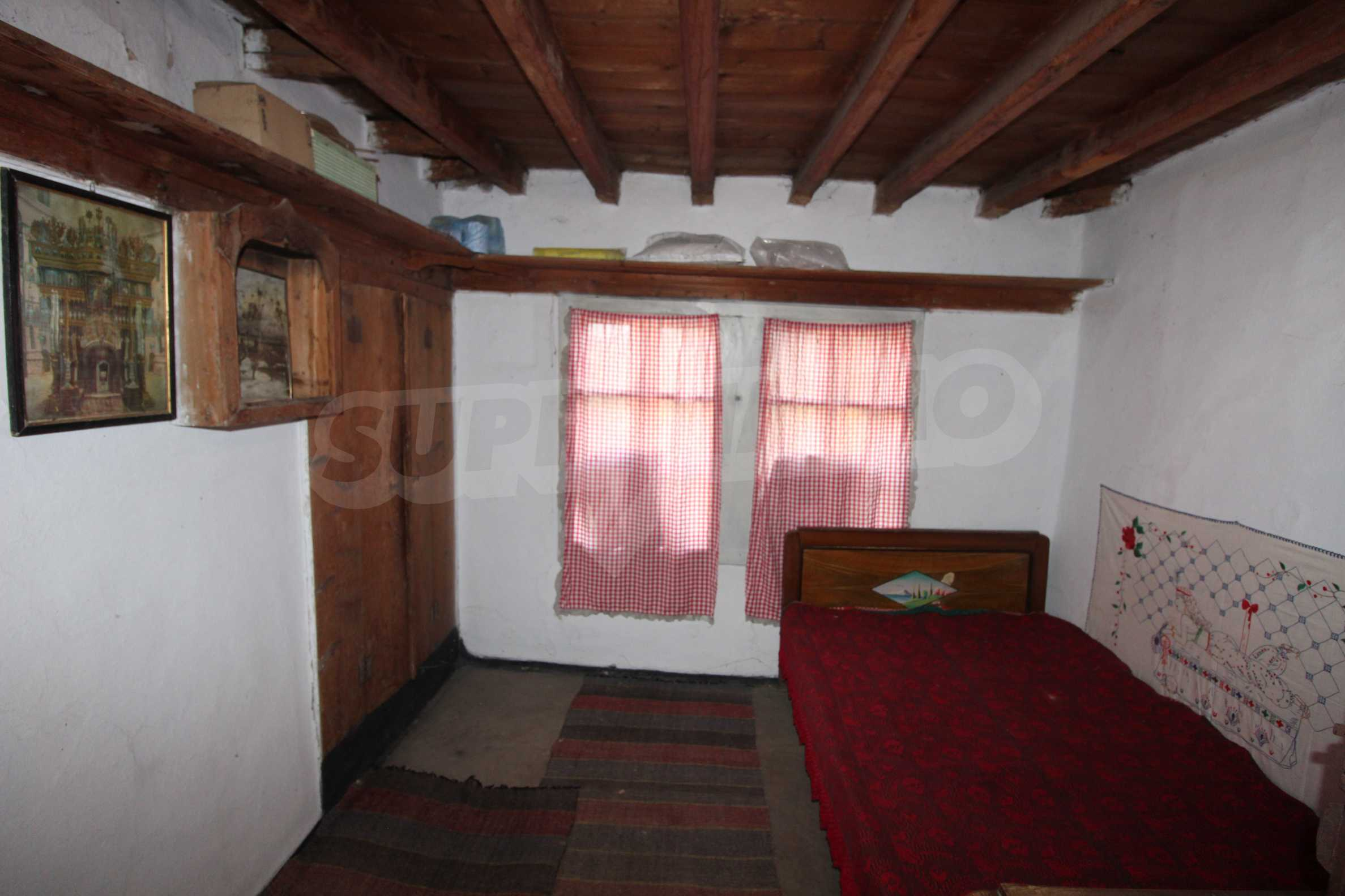Zweistöckiges Haus mit Hof, 3 km von Weliko Tarnowo entfernt 18
