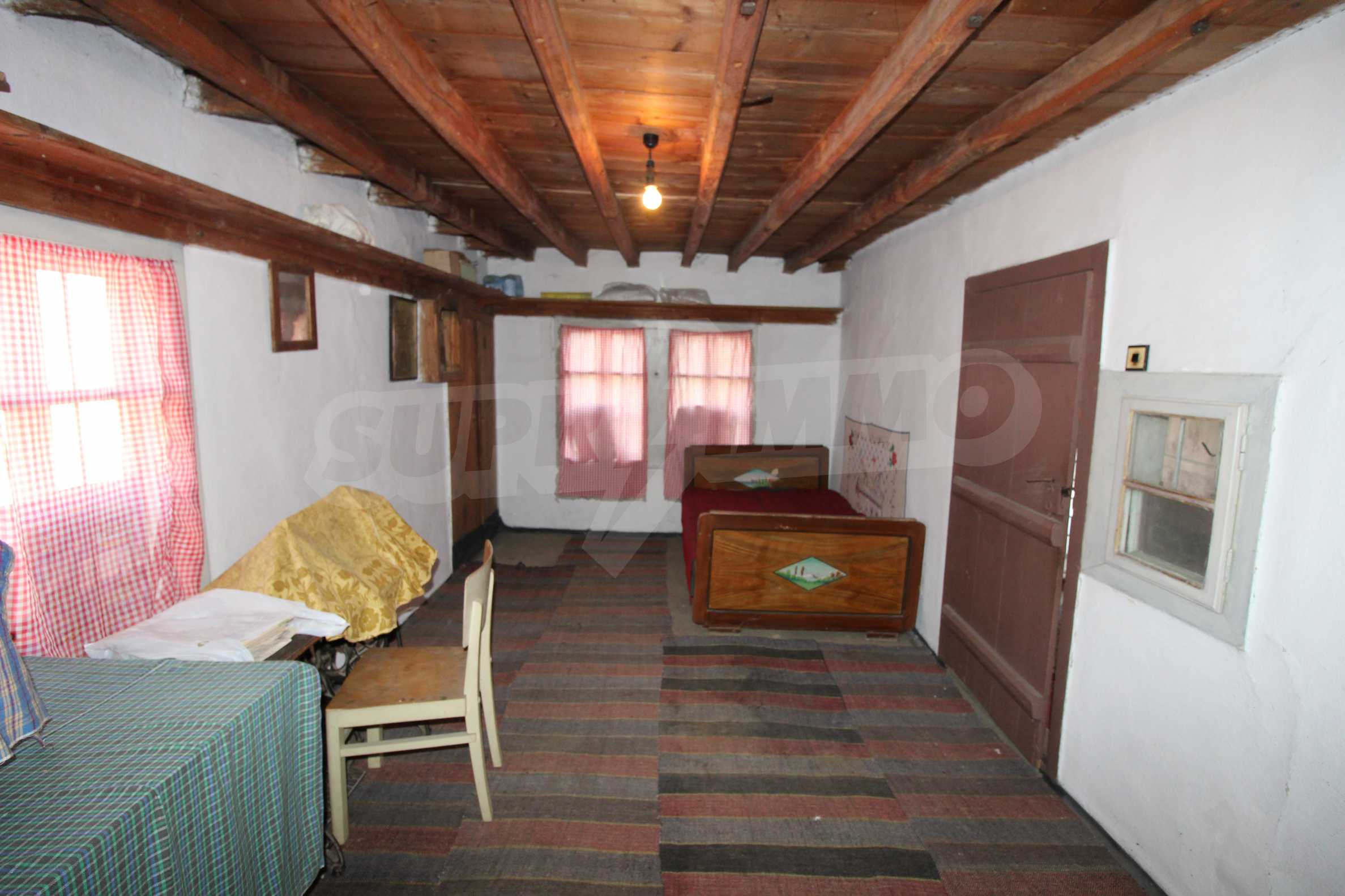 Zweistöckiges Haus mit Hof, 3 km von Weliko Tarnowo entfernt 20