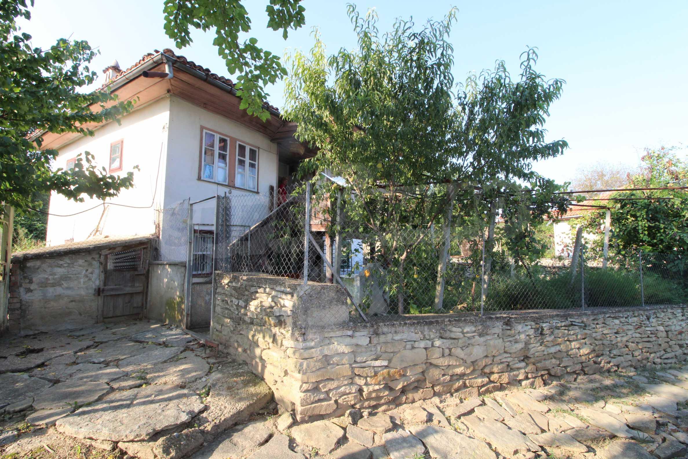 Zweistöckiges Haus mit Hof, 3 km von Weliko Tarnowo entfernt 24