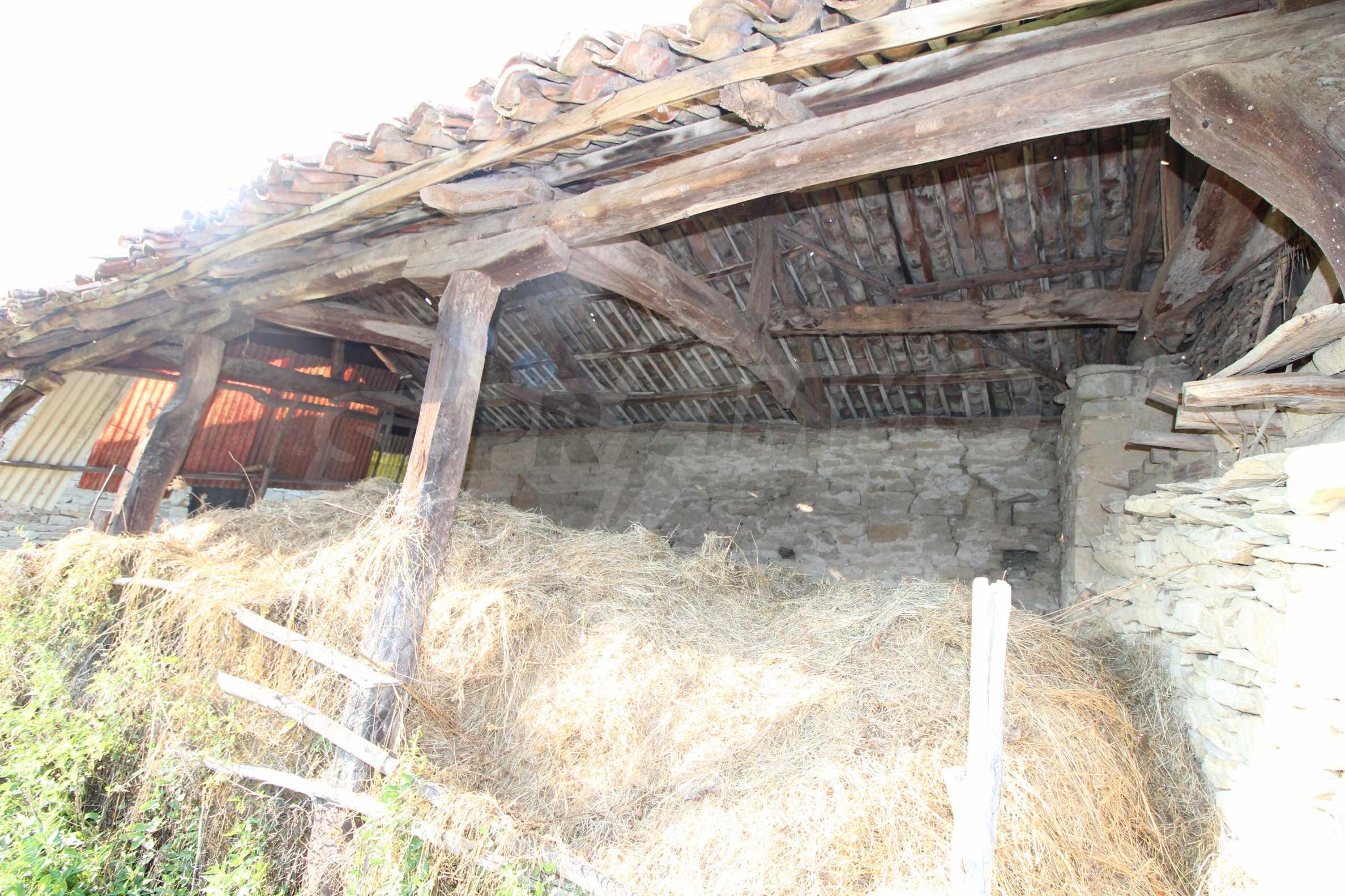 Zweistöckiges Haus mit Hof, 3 km von Weliko Tarnowo entfernt 28
