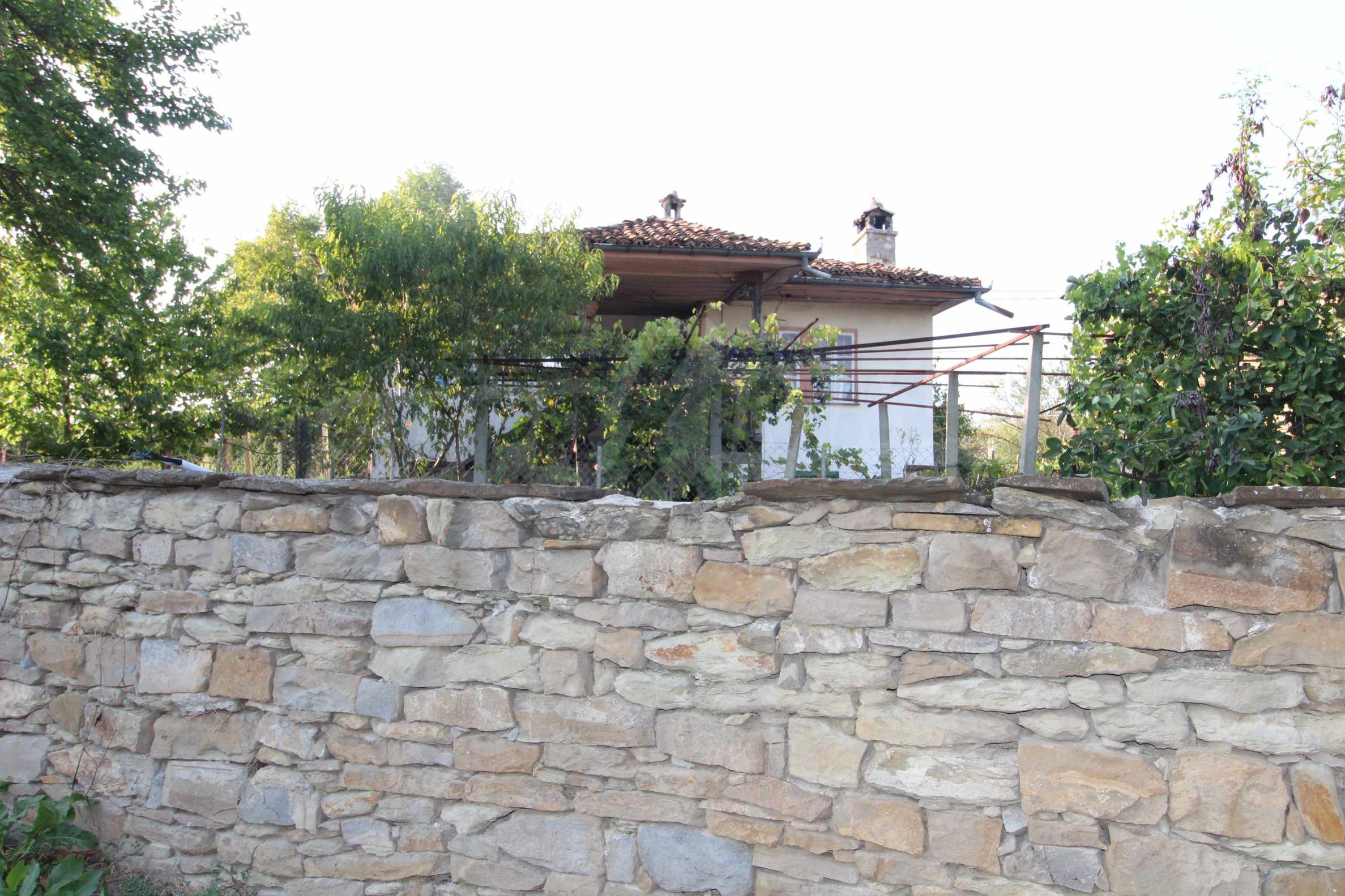 Zweistöckiges Haus mit Hof, 3 km von Weliko Tarnowo entfernt 29