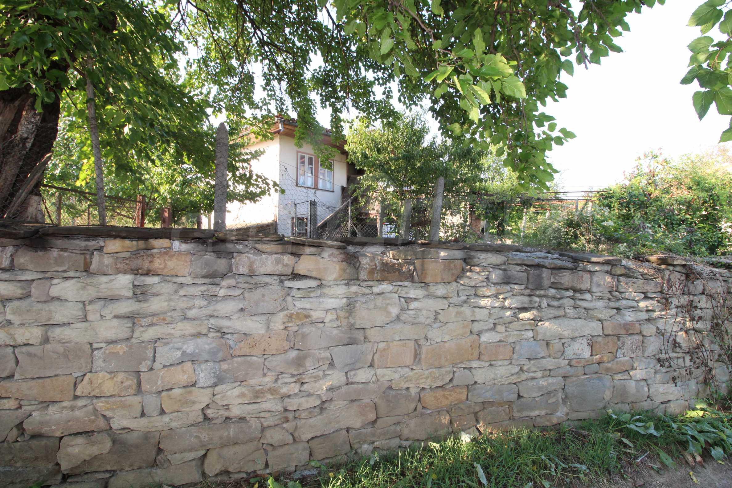 Zweistöckiges Haus mit Hof, 3 km von Weliko Tarnowo entfernt 30