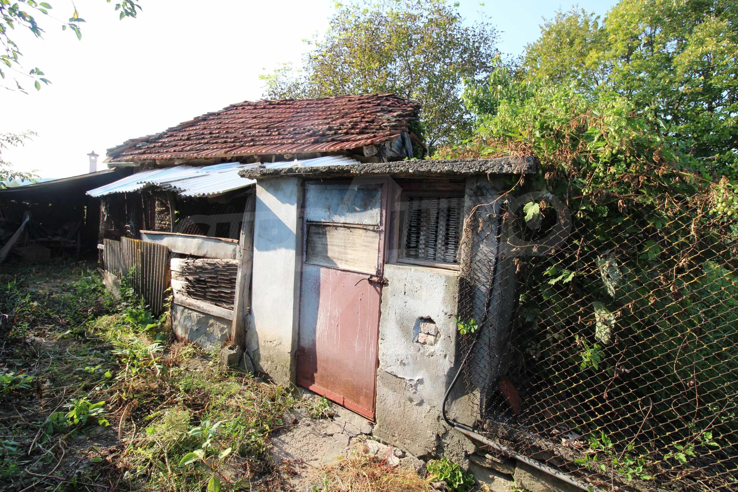 Zweistöckiges Haus mit Hof, 3 km von Weliko Tarnowo entfernt 32