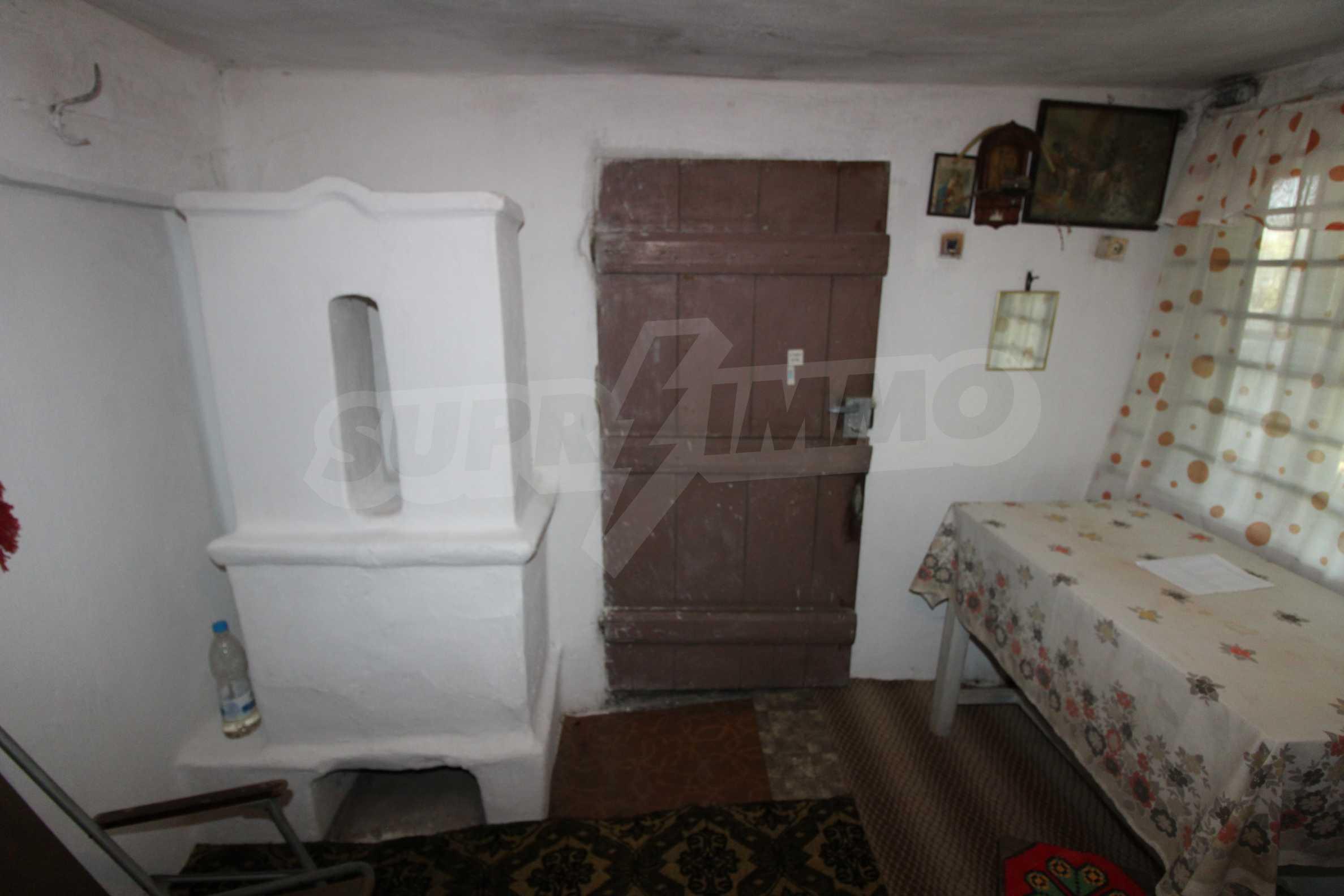 Zweistöckiges Haus mit Hof, 3 km von Weliko Tarnowo entfernt 8