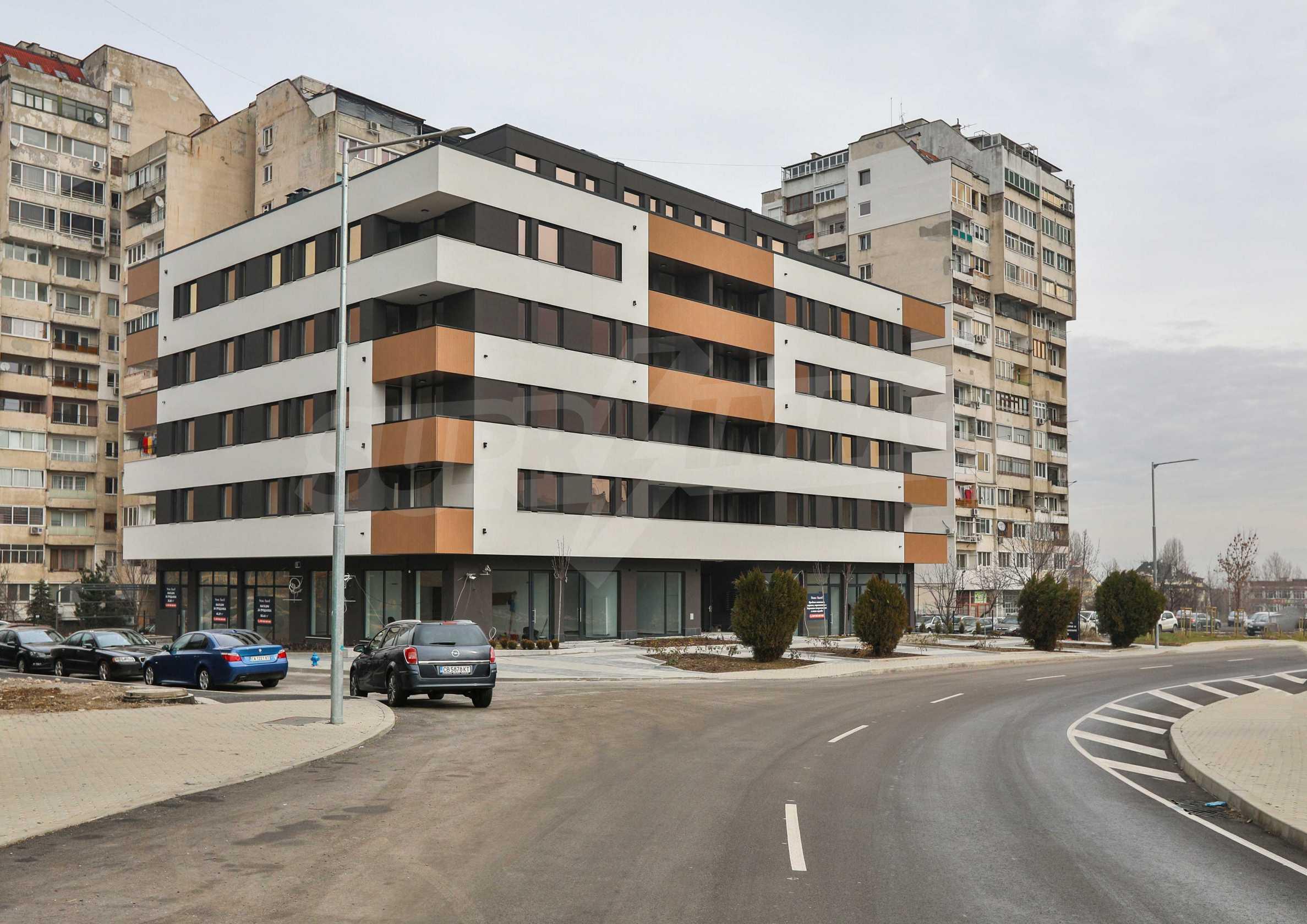 Магазины, гаражи и паркоместа на продажу в новостройке «Комфорт Резиденс - Овча Купел» рядом с метро 3