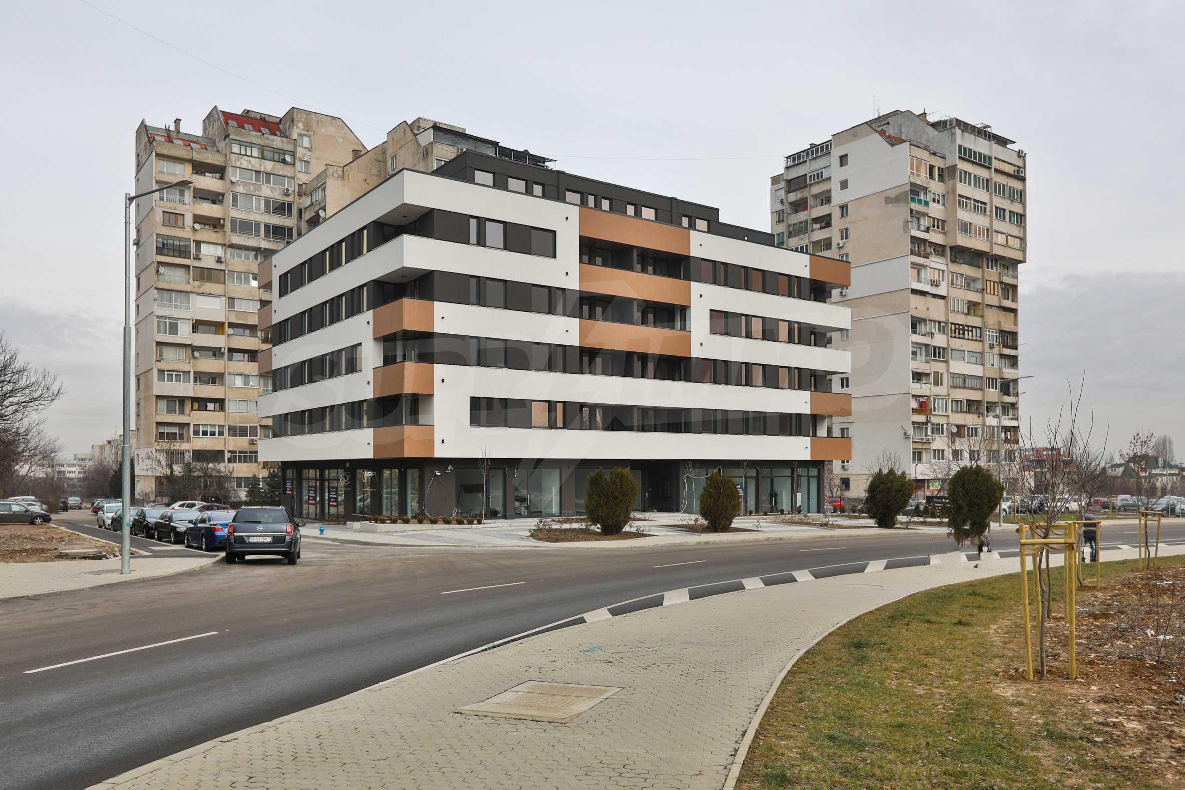 Магазины, гаражи и паркоместа на продажу в новостройке «Комфорт Резиденс - Овча Купел» рядом с метро 8
