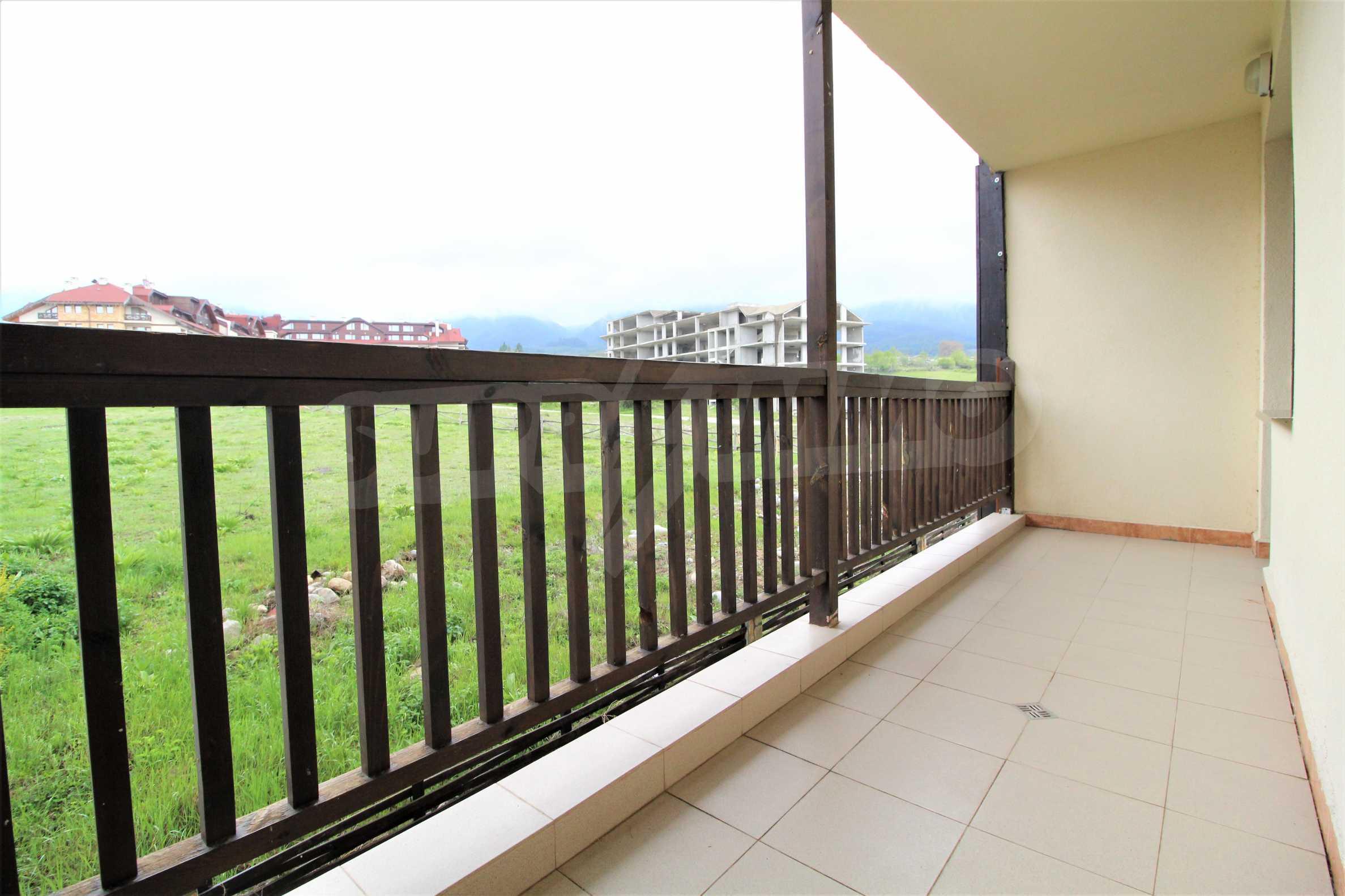 Обзаведен двустаен апартамент, разположен в СПА комплекс Мария Антоанета, само на метри от ски лифта в Банско 16