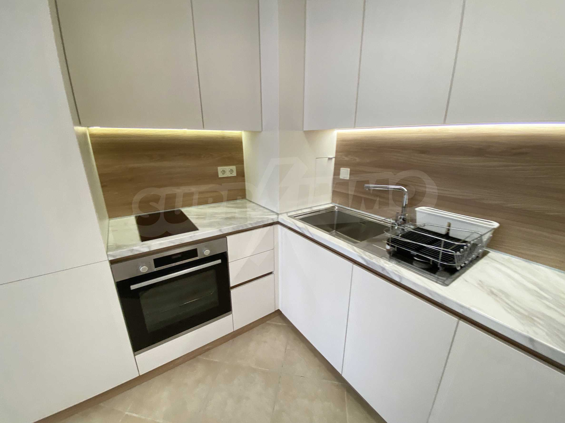Тристаен апартамент близо до плажа в комплекс Емберли в Лозенец (ап. №201) 6