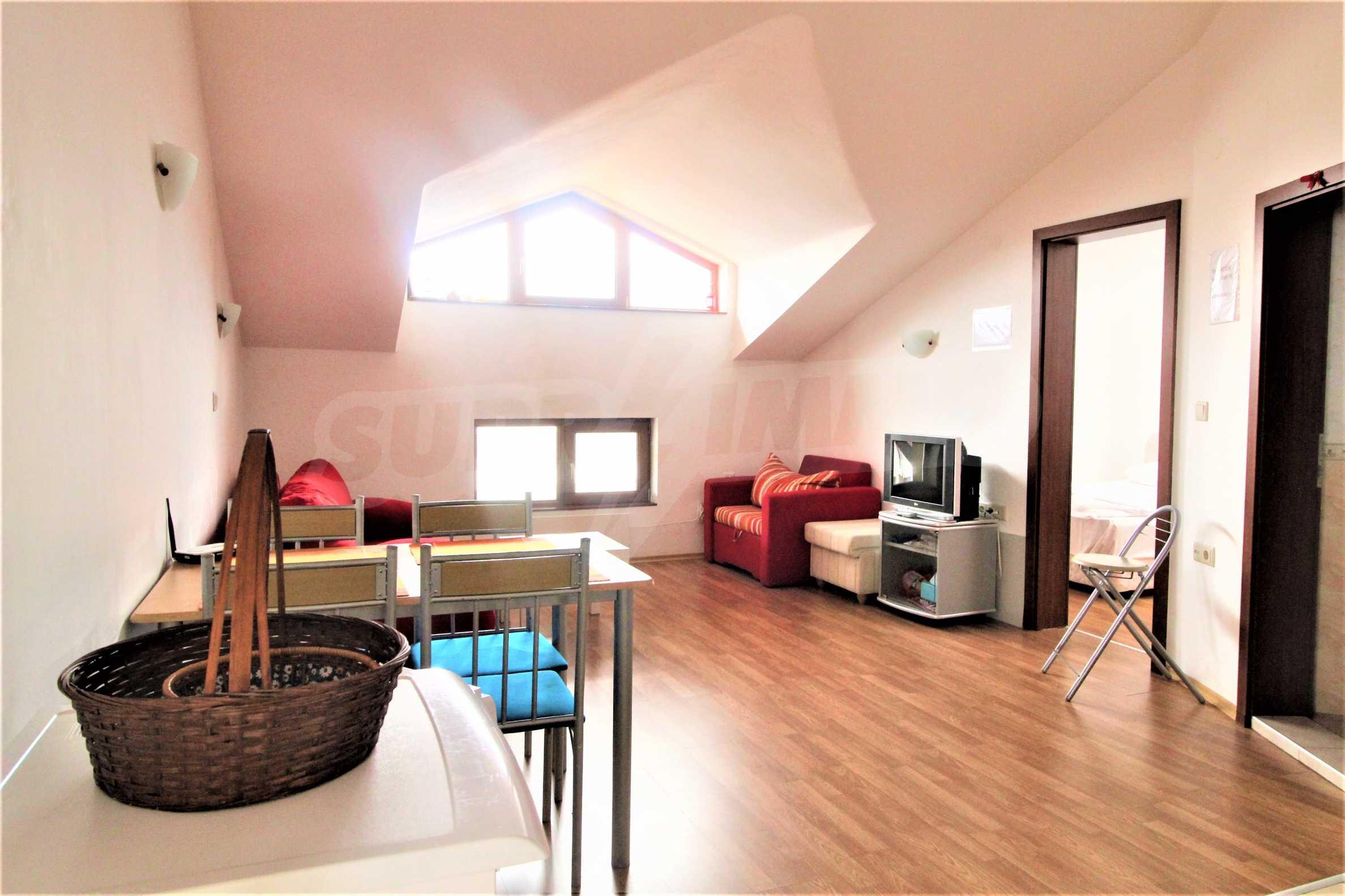 Обзаведено двустайно жилище в комплекс Топ Лодж в близост до ски лифта в Банско 8