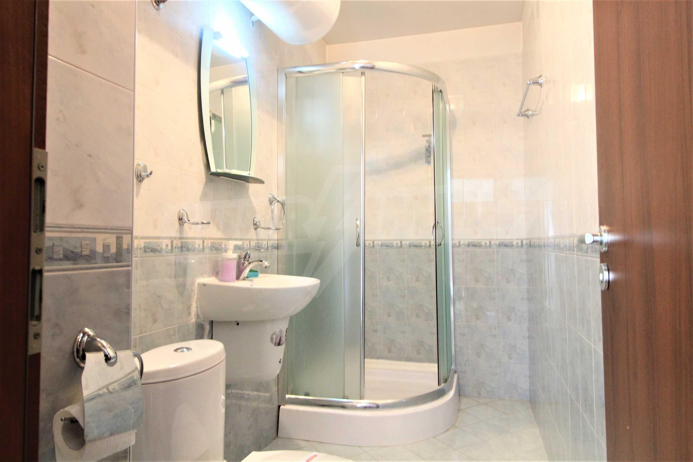 Уютен тристаен апартамент, разположен в комплекс Топ Лодж, само на метри от ски лифта в Банско 6