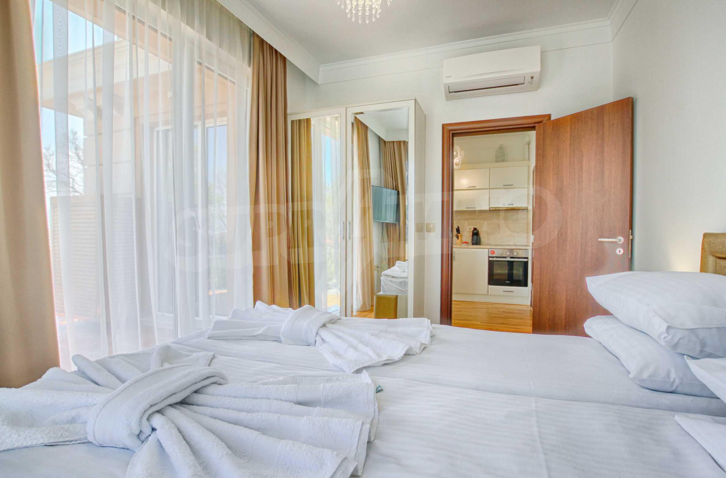 Стилен двустаен апартамент под наем в Belle Époque Beach Residence 13