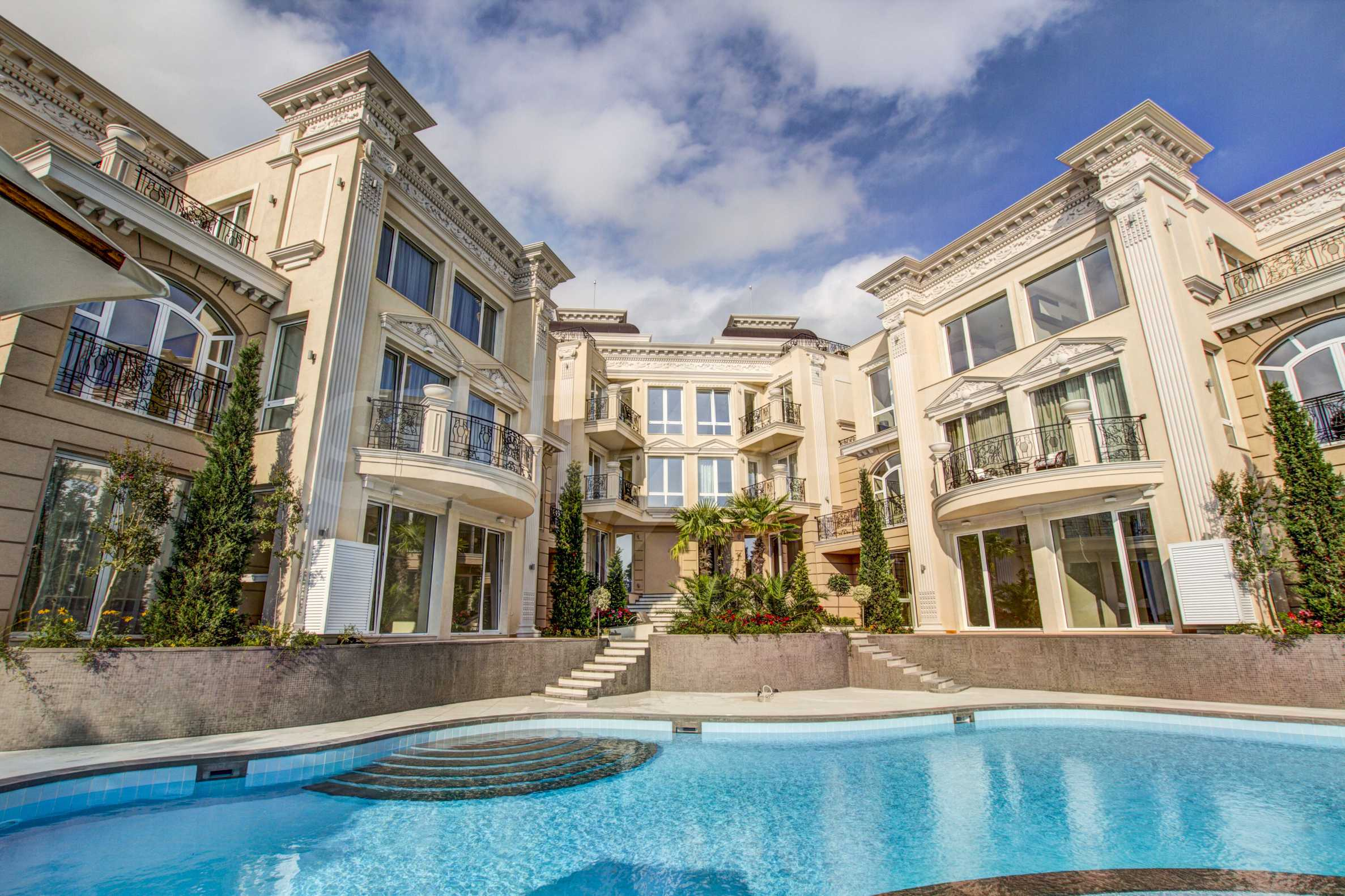 Стилен двустаен апартамент под наем в Belle Époque Beach Residence 15